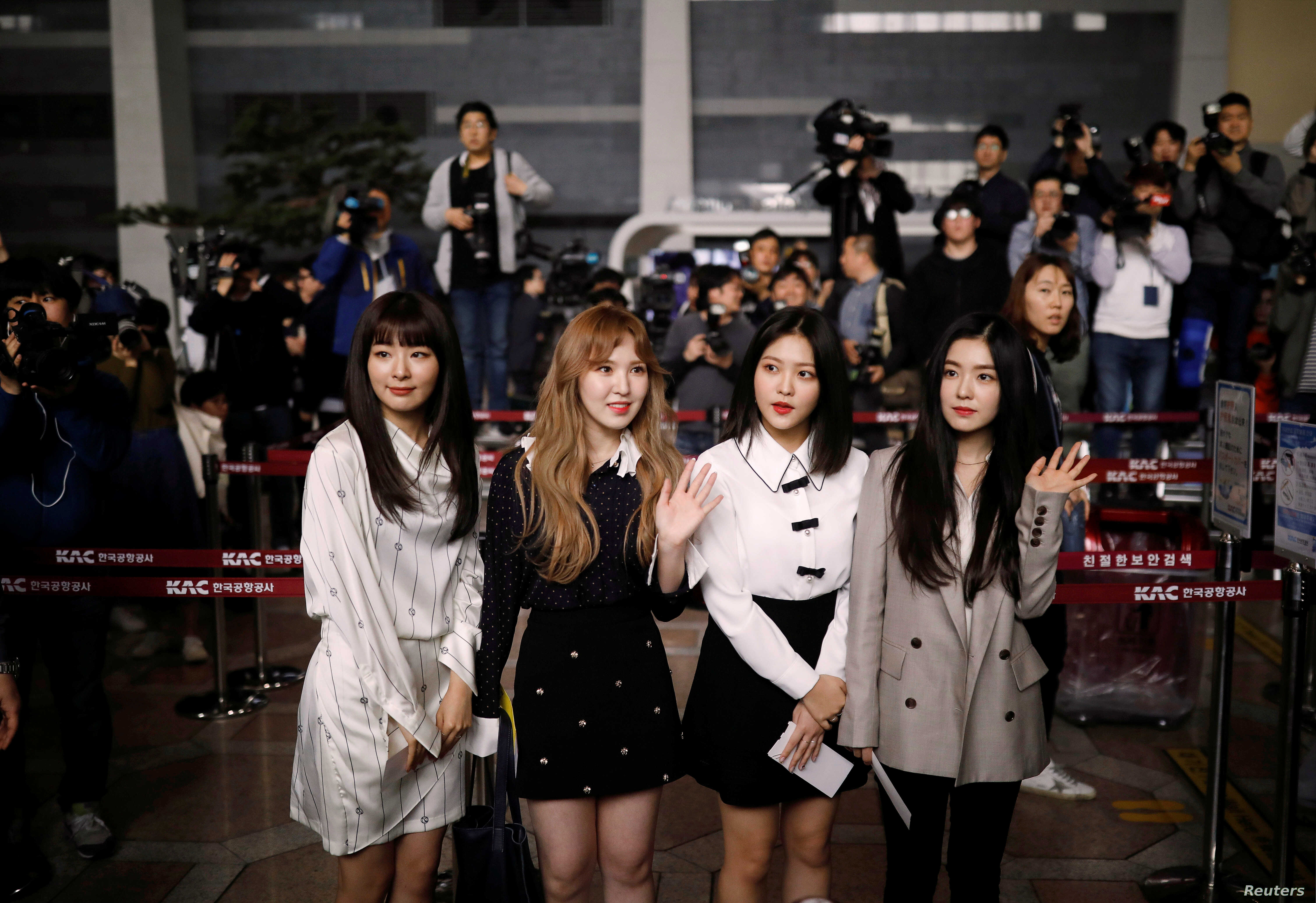 K-Pop Diplomacy: South Koreans Fly to Pyongyang for Rare Concerts
