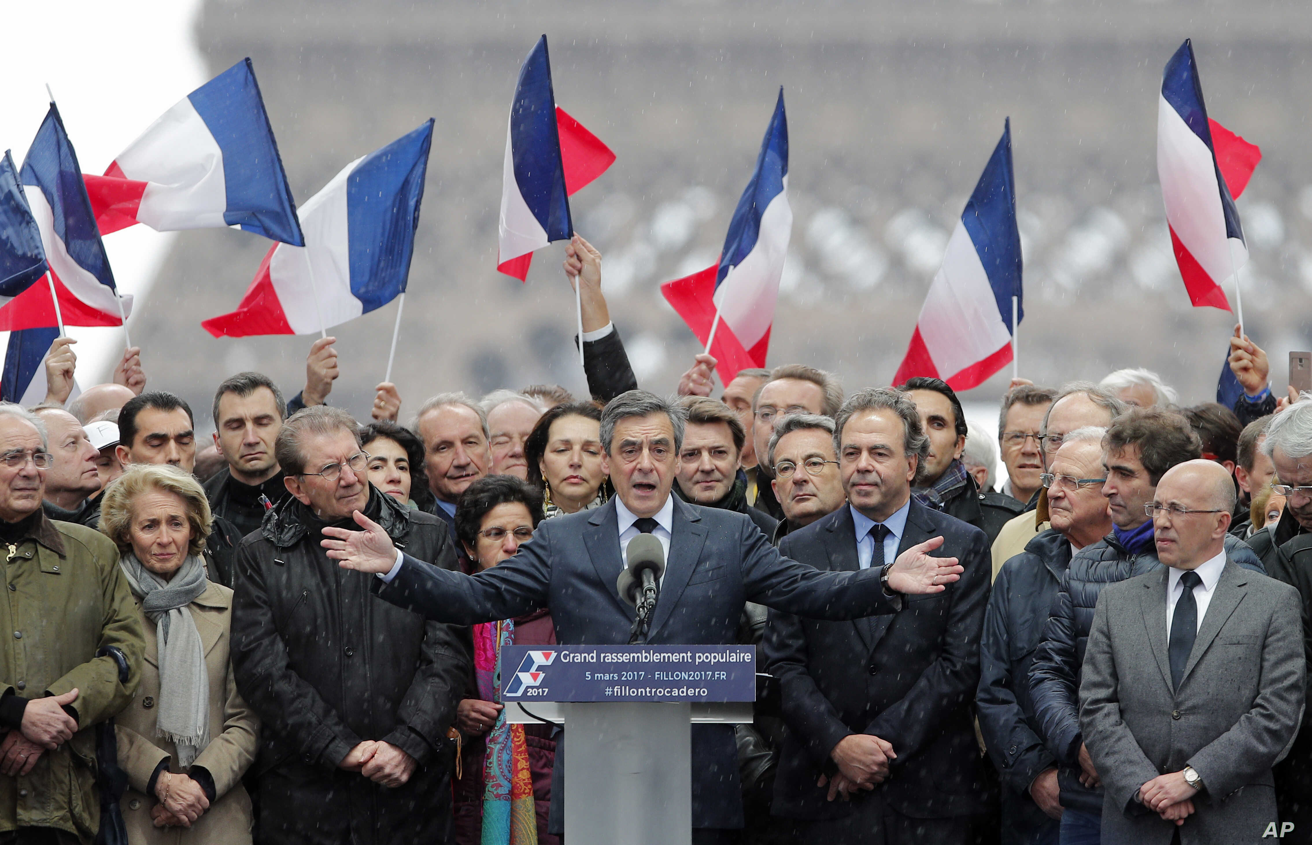 "French conservative presidential candidate Francois Fillon delivers his speech during a rally in Paris, March 5, 2017. Fillon is urging his supporters not to ""give up the fight"" for the presidency despite corruption allegations dogging him."