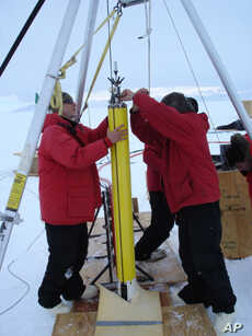 A field test of the drilling system near McMurdo station during the 2010-11 Antarctic field season.