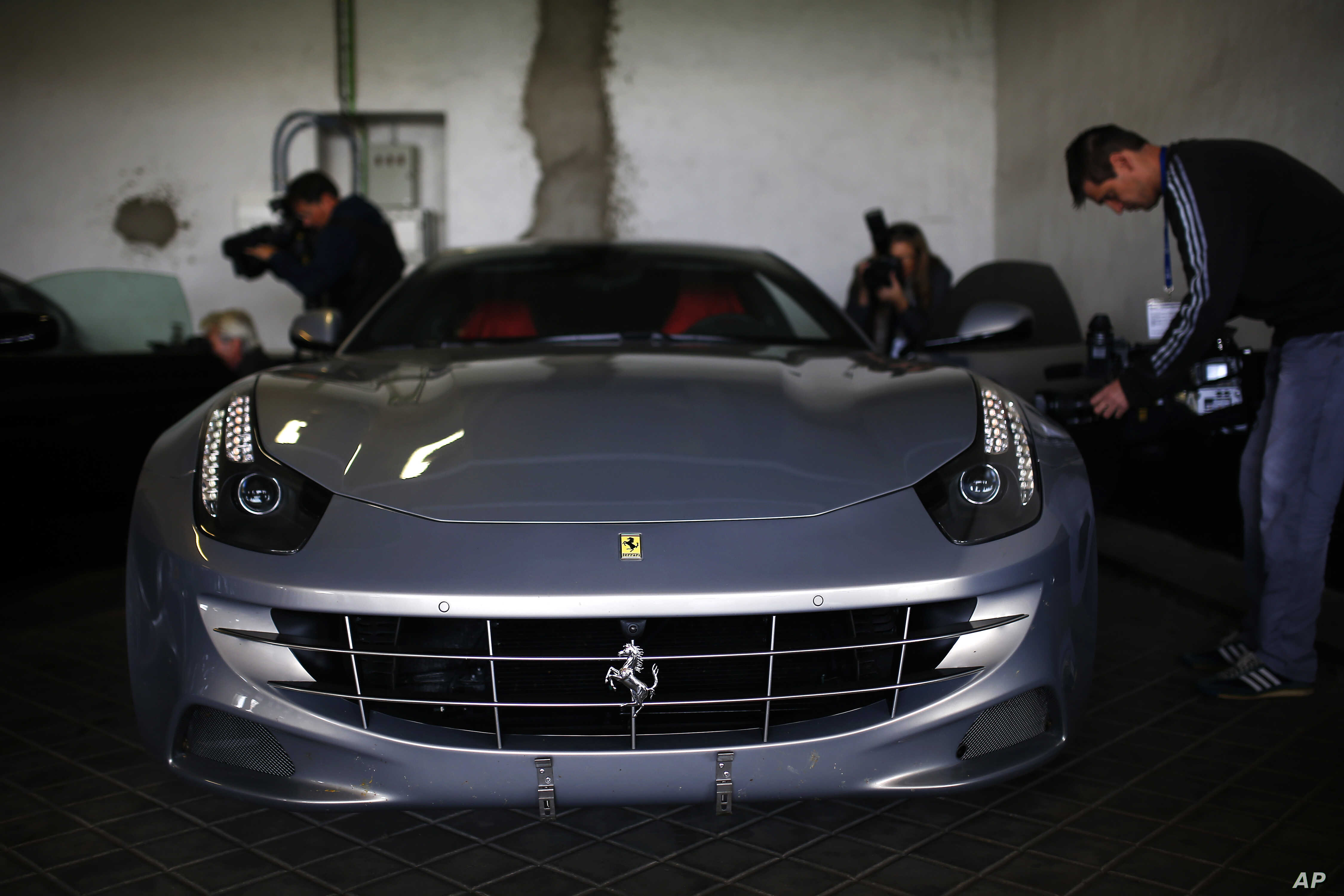 Spain To Auction 2 Ferraris Belonging To Ex King Voice Of America