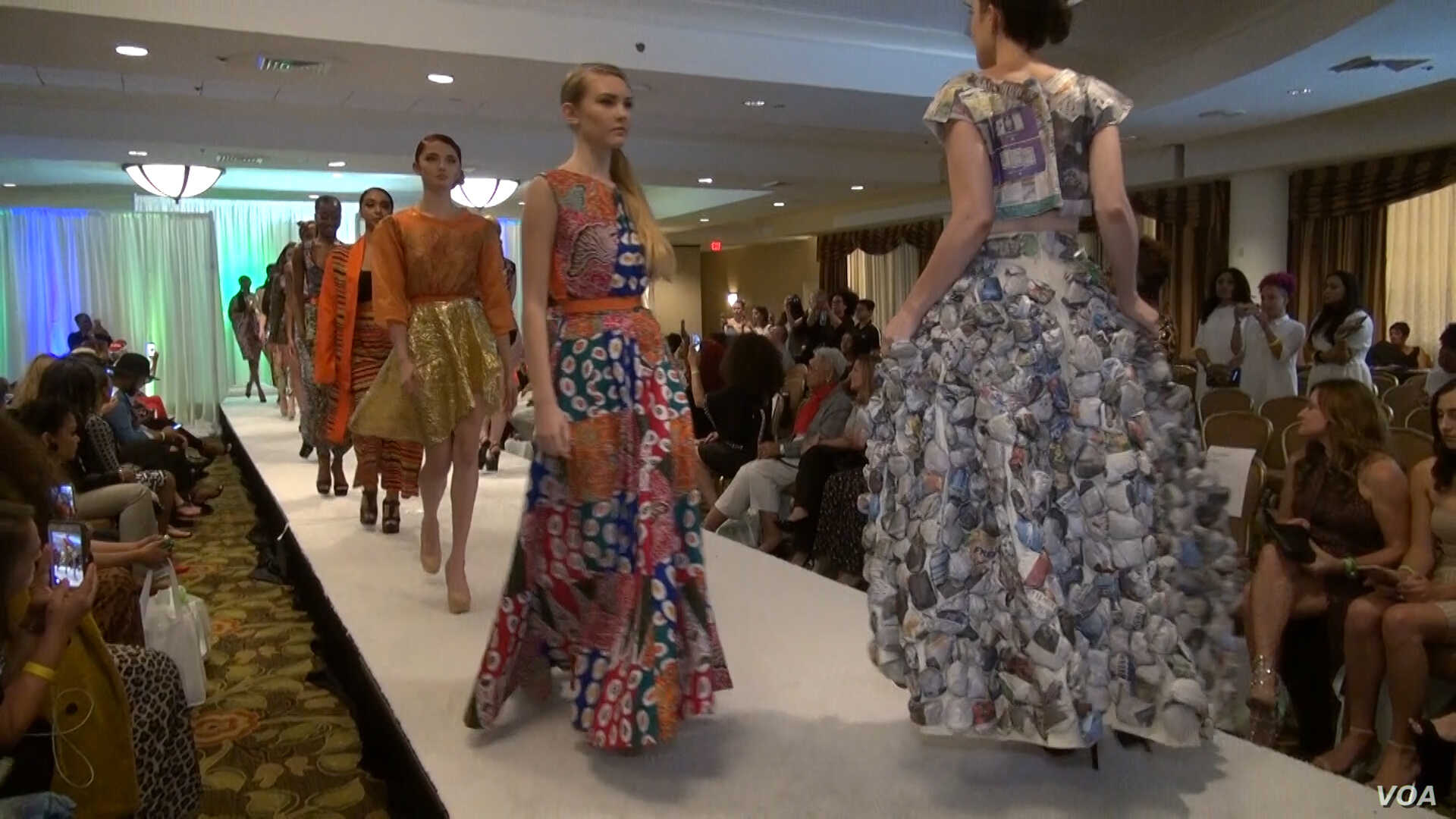Models wearing fashions designed by emerging and international designers display their work at a DC Fashion Week event. (Photo: J. Soh / VOA)