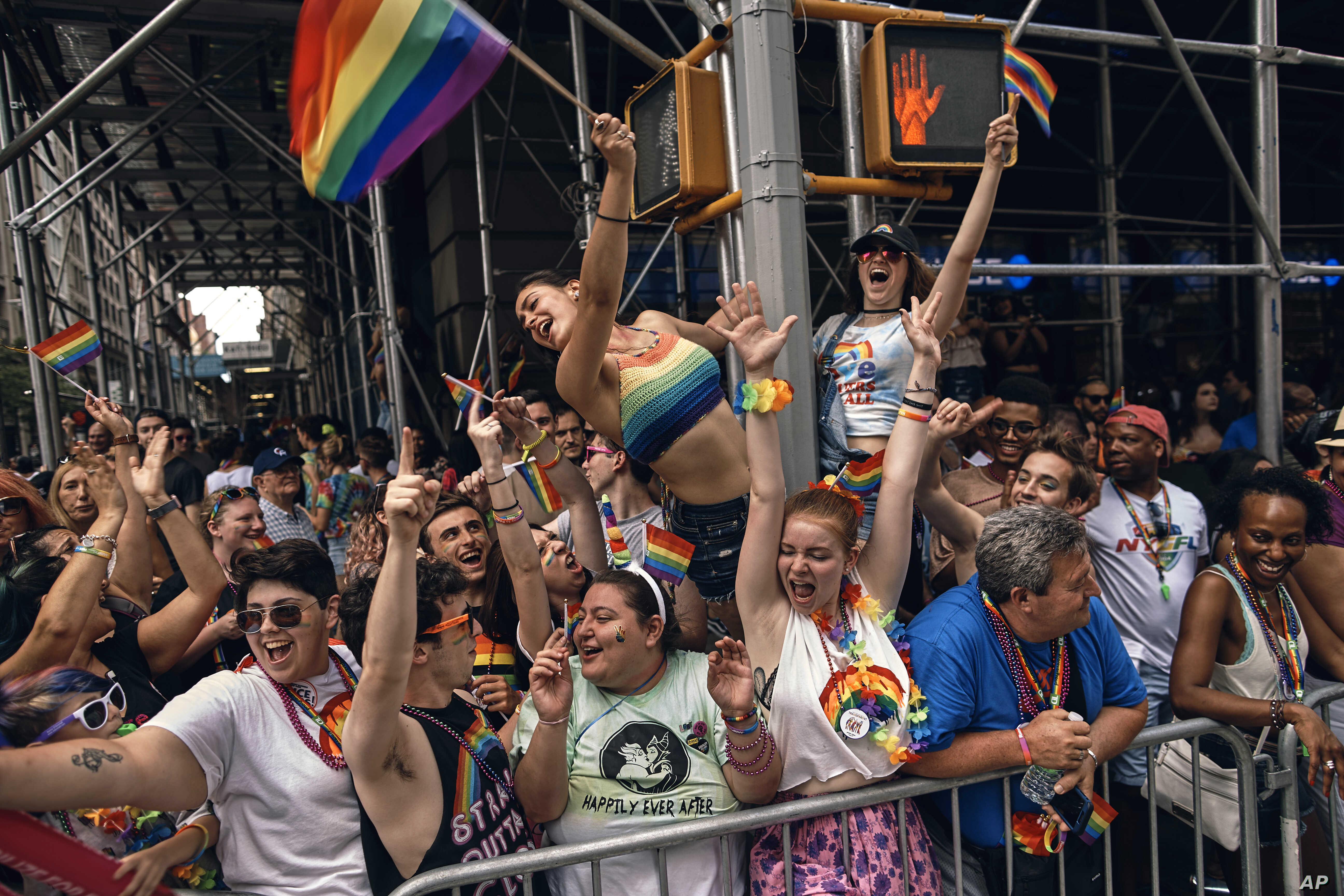 Us Gay Pride Parades Sound Note Of Resistance And Face Some