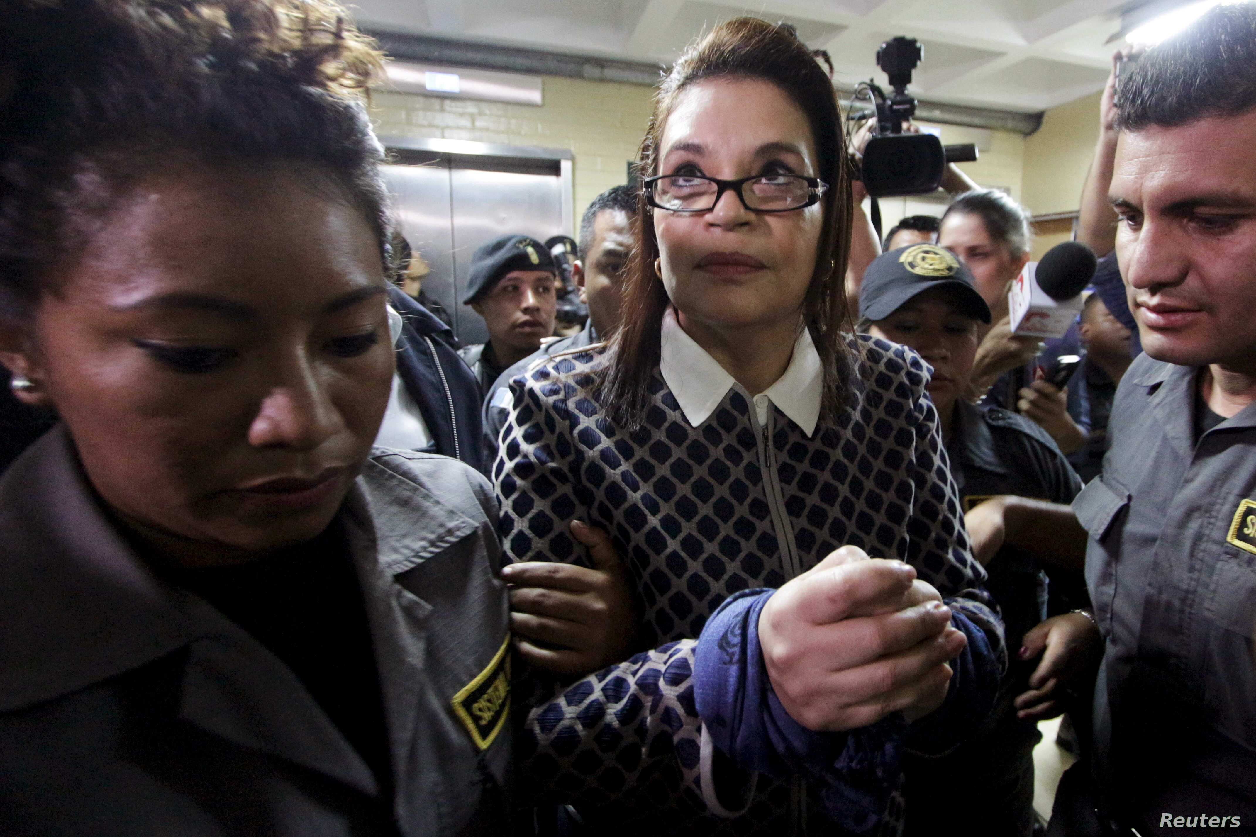 Ex-Guatemalan Vice President Says She Will Accept Extradition to US