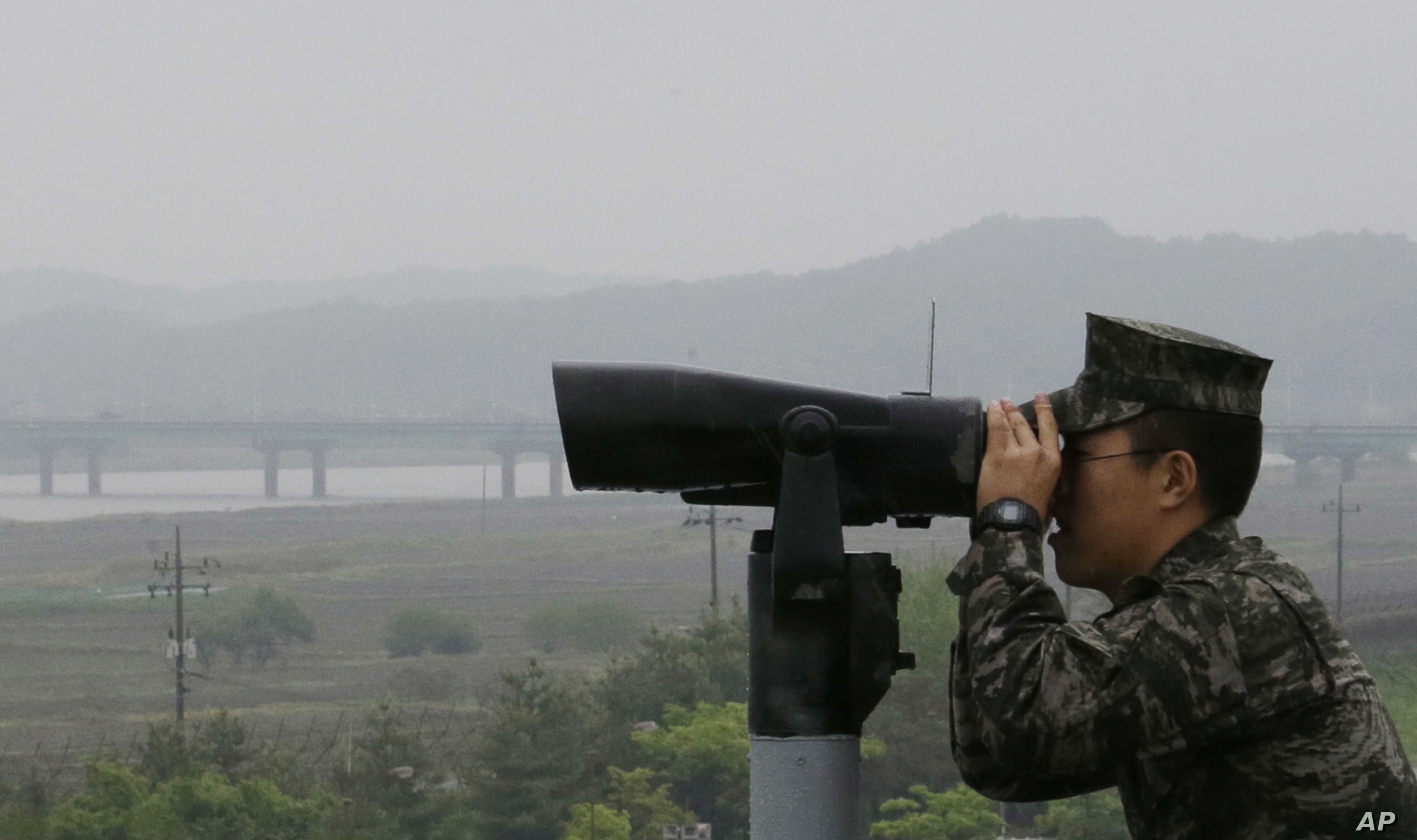 A South Korean marine force member looks toward the North's side at the Imjingak Pavilion in Paju near the border village of Panmunjom, South Korea, May 16, 2018.