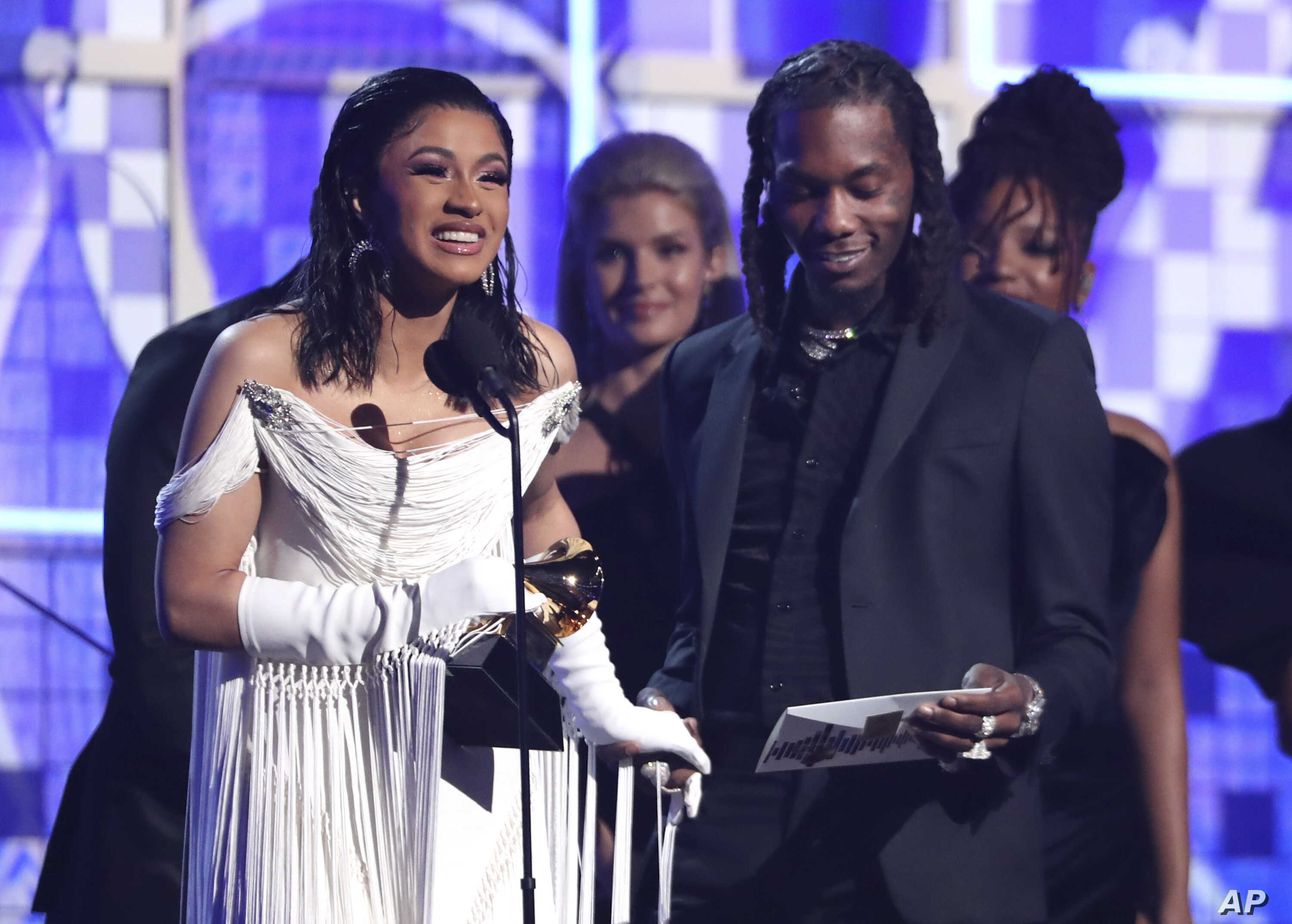 Female Acts, Rap Songs Win Big at Grammys | Voice of America