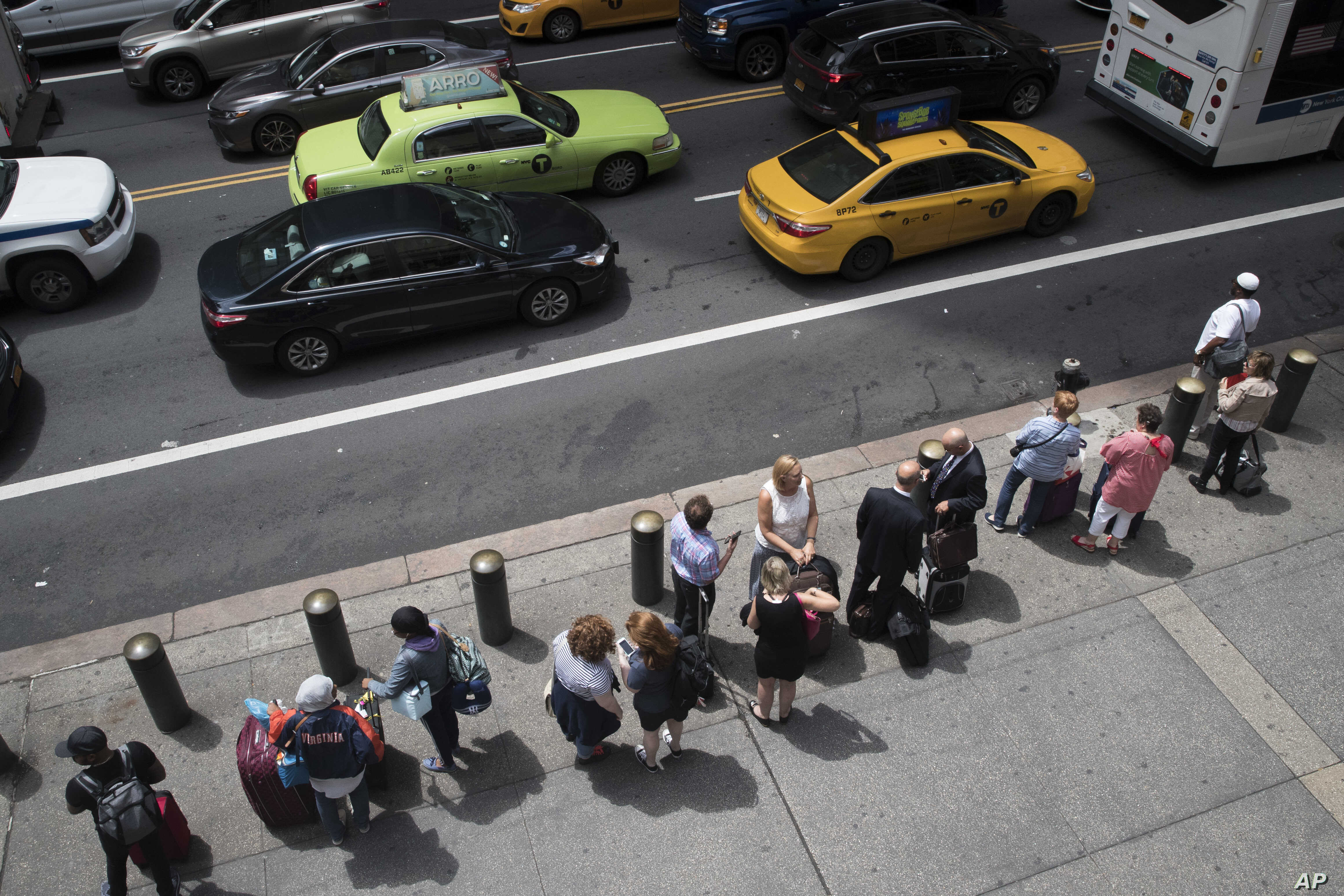 Nyc Ponders Precedent With 1 Year Cap On New Ride Hail Car Services
