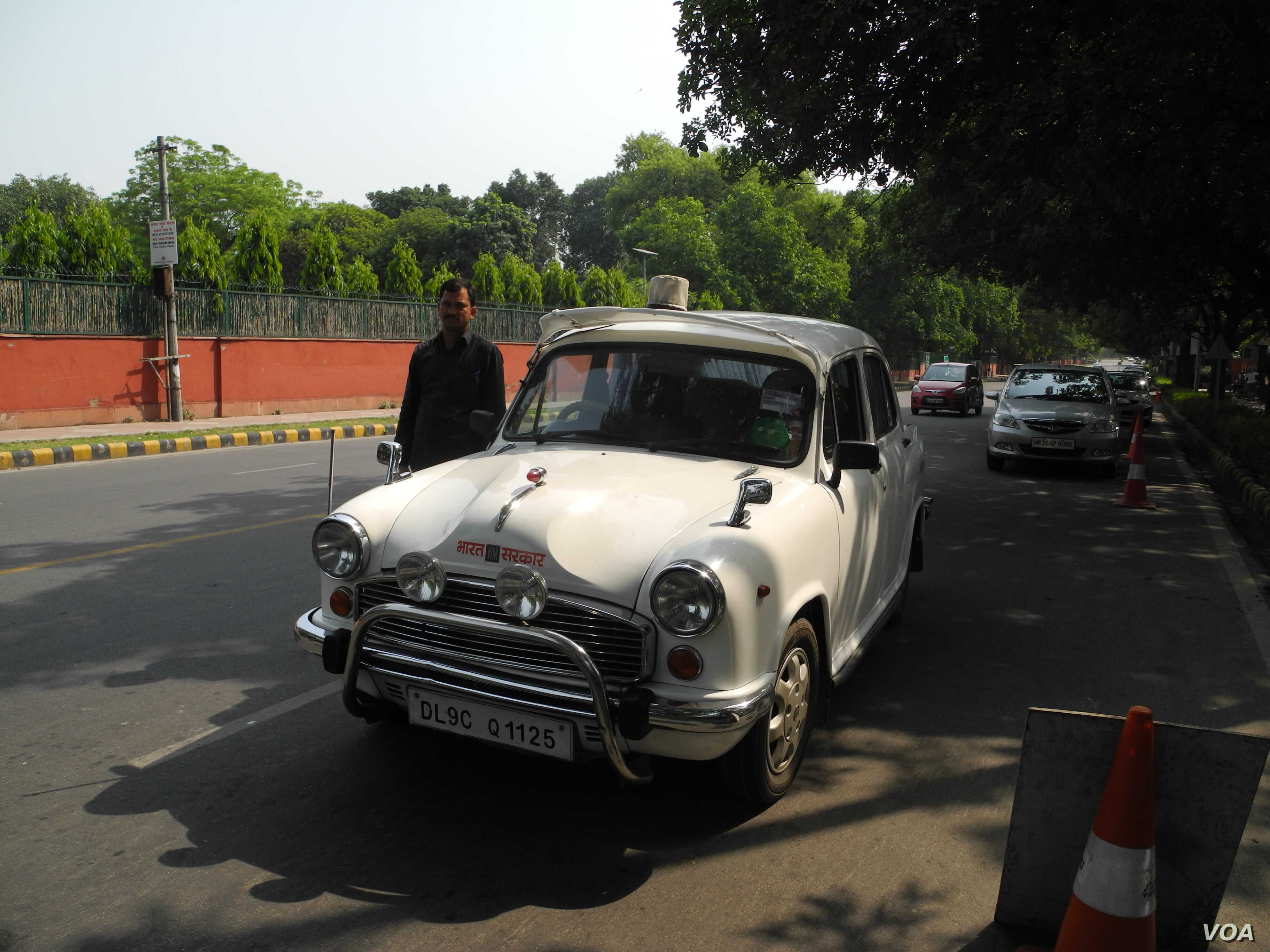 Production of India's Iconic Ambassador Car Halted | Voice