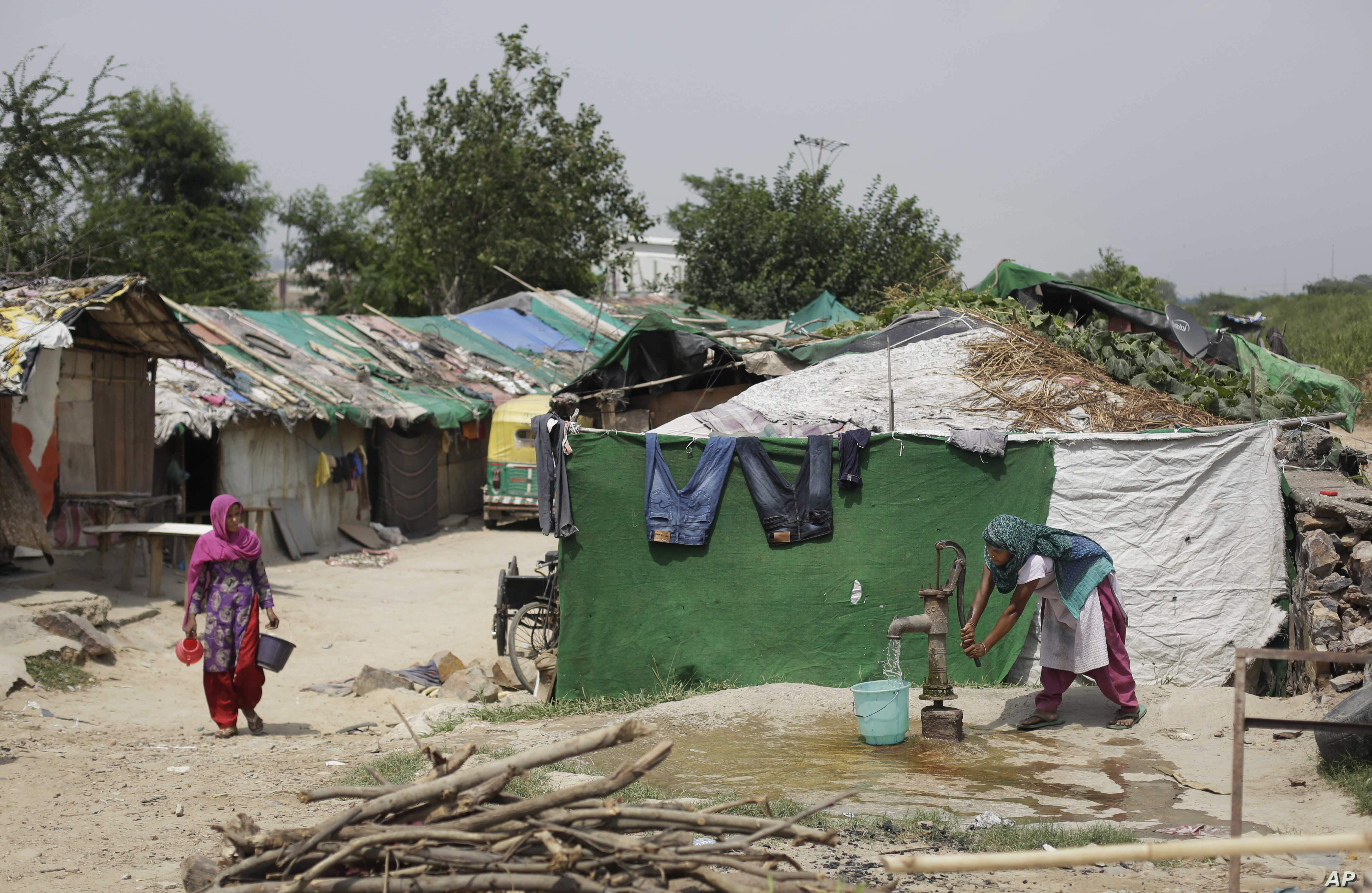 Rights Activists Call on India to Not Deport Rohingyas, but Solve