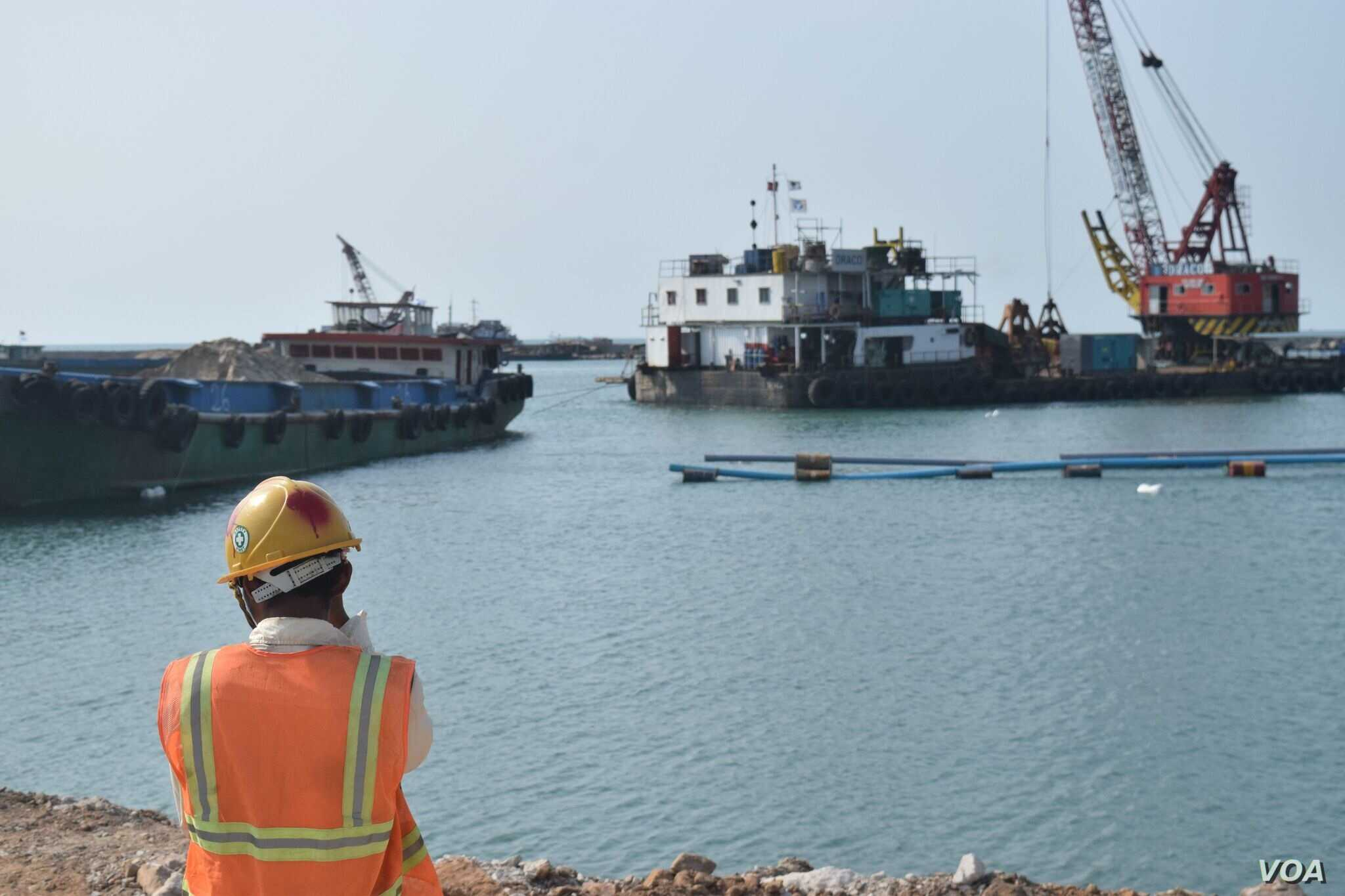 Donor support is enabling a much-needed expansion of Cambodia's largest seaport in Sihanoukville. (D. de Carteret for VOA)