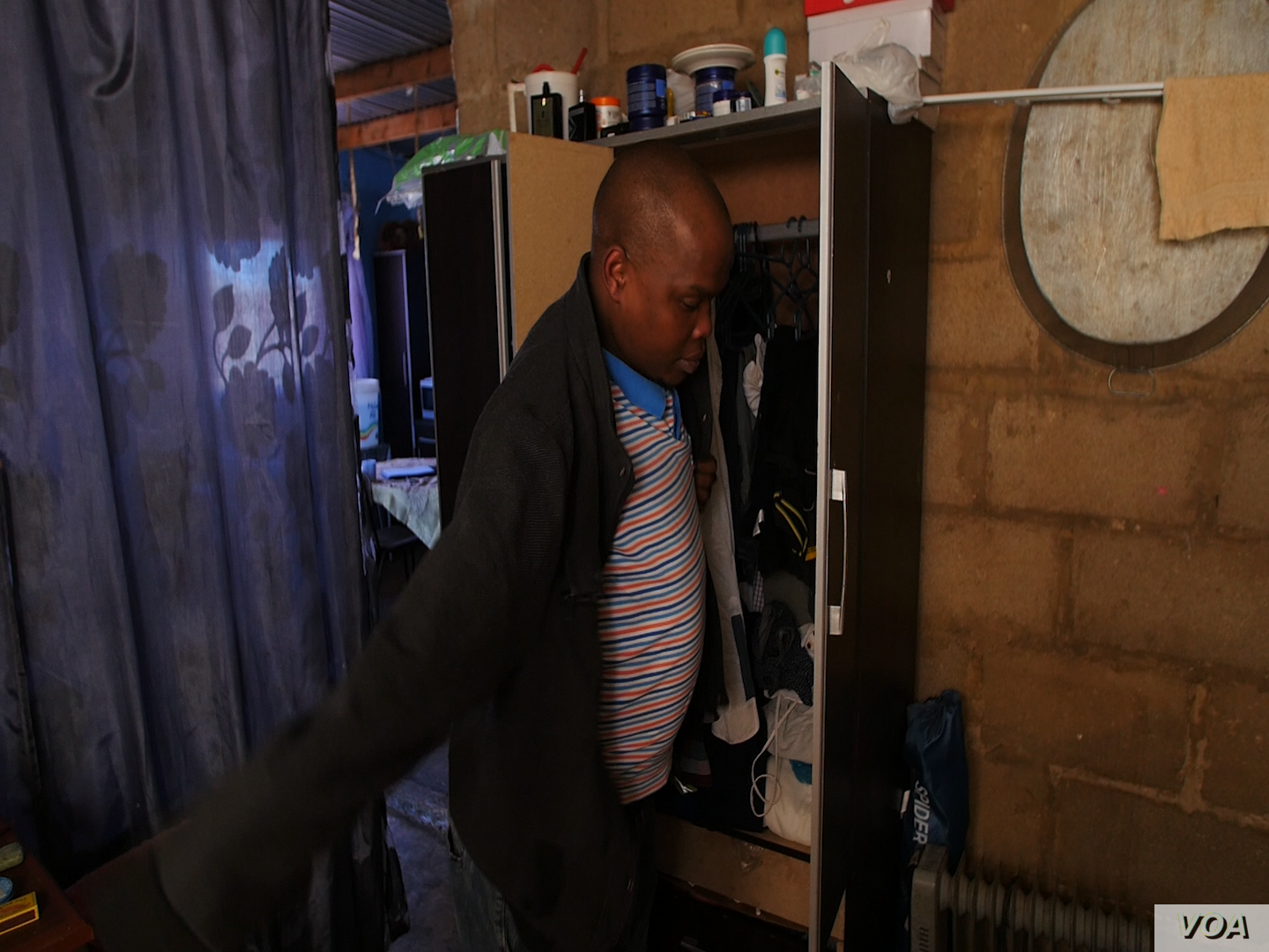 Abram Serapelo is ready to work but he has no idea when -- or if -- he'll be paid. He's one of some 700 workers at the Shiva Uranium mine who are waiting for late salaries from the Gupta family, Indian businessmen who fled South Africa in Februar...