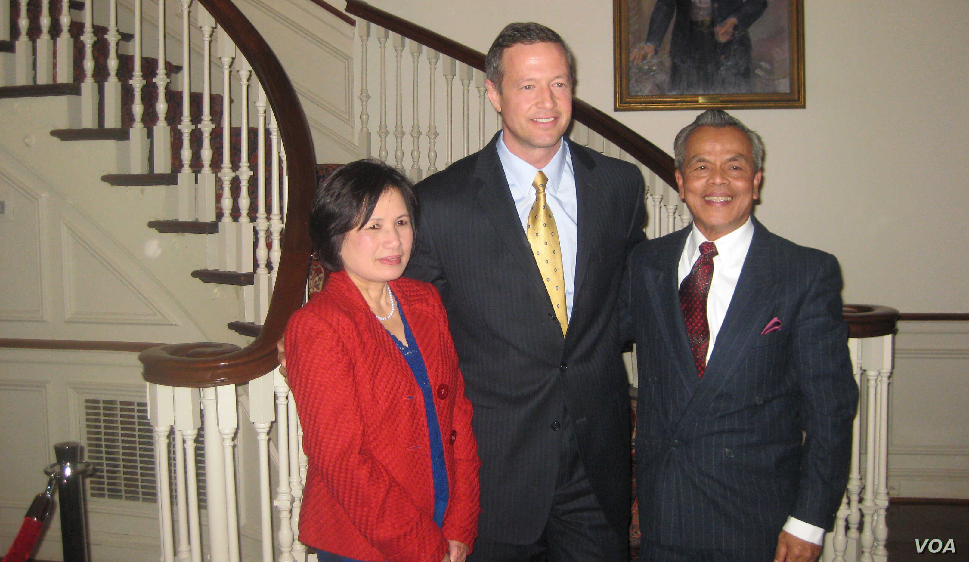 From left to right: Tun Sovan, Martin J. O'Malley, governor of Maryland, and Mrs. Ngor Yok Bean in 2012 at the Maryland Residence. (Photo courtesy: Tun Sovan)
