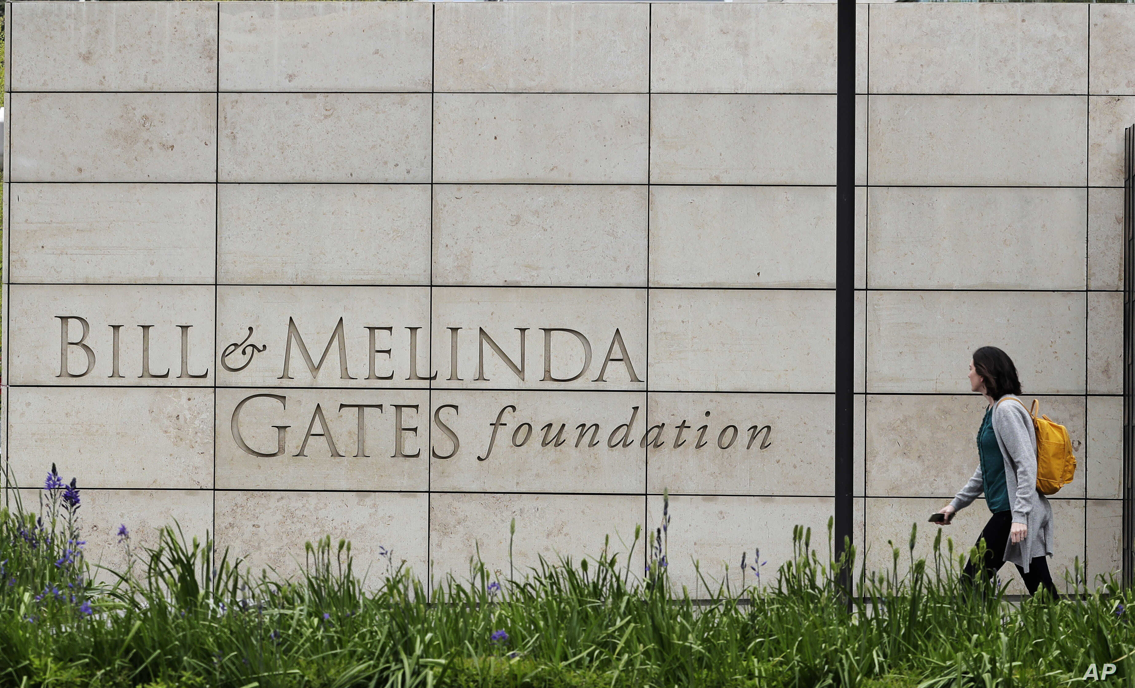 Bill Gates Directs US Education Funding to Local Schools