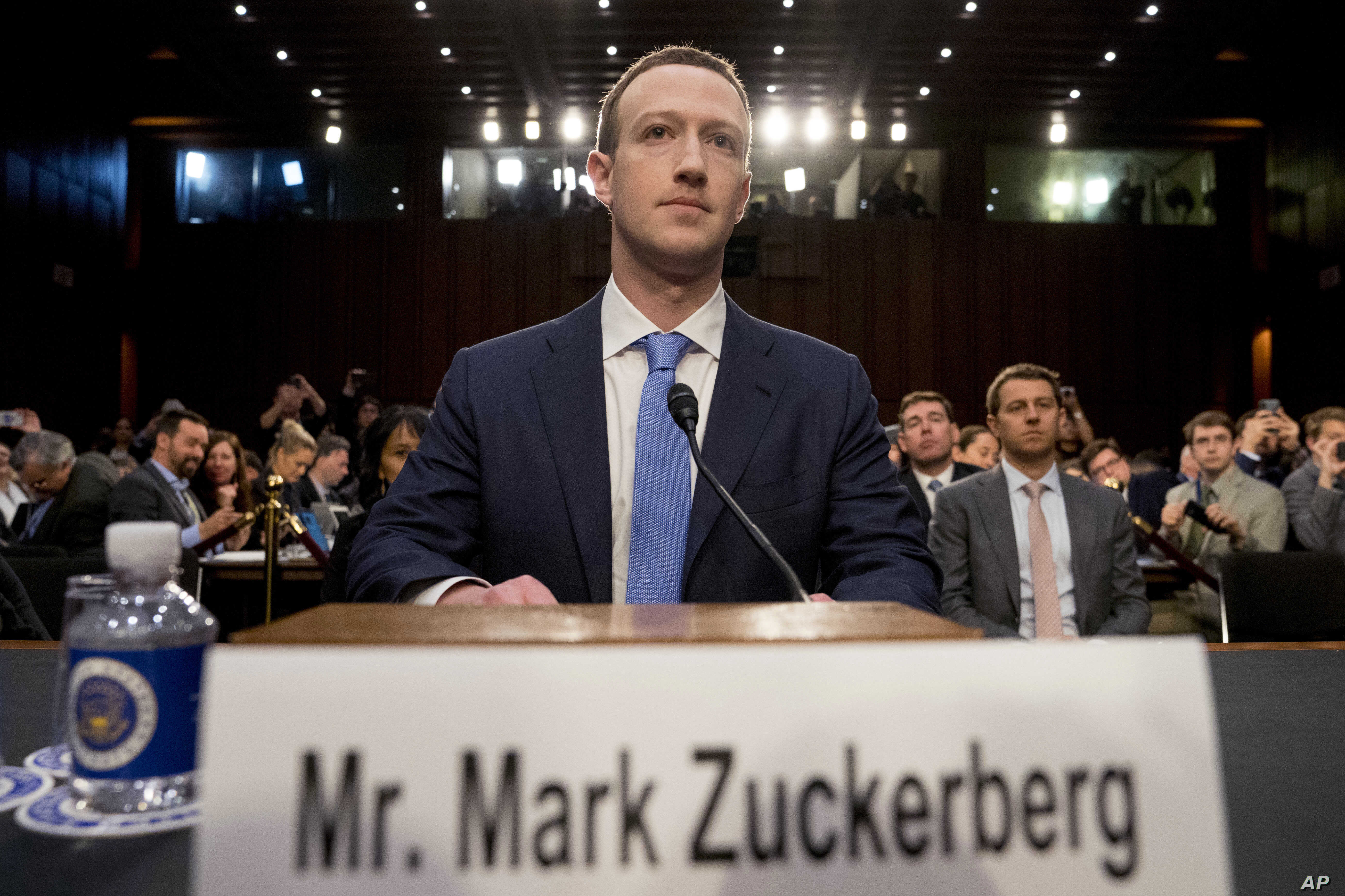 Facebook's Zuckerberg Vows to 'Keep Building' in No-apology Address