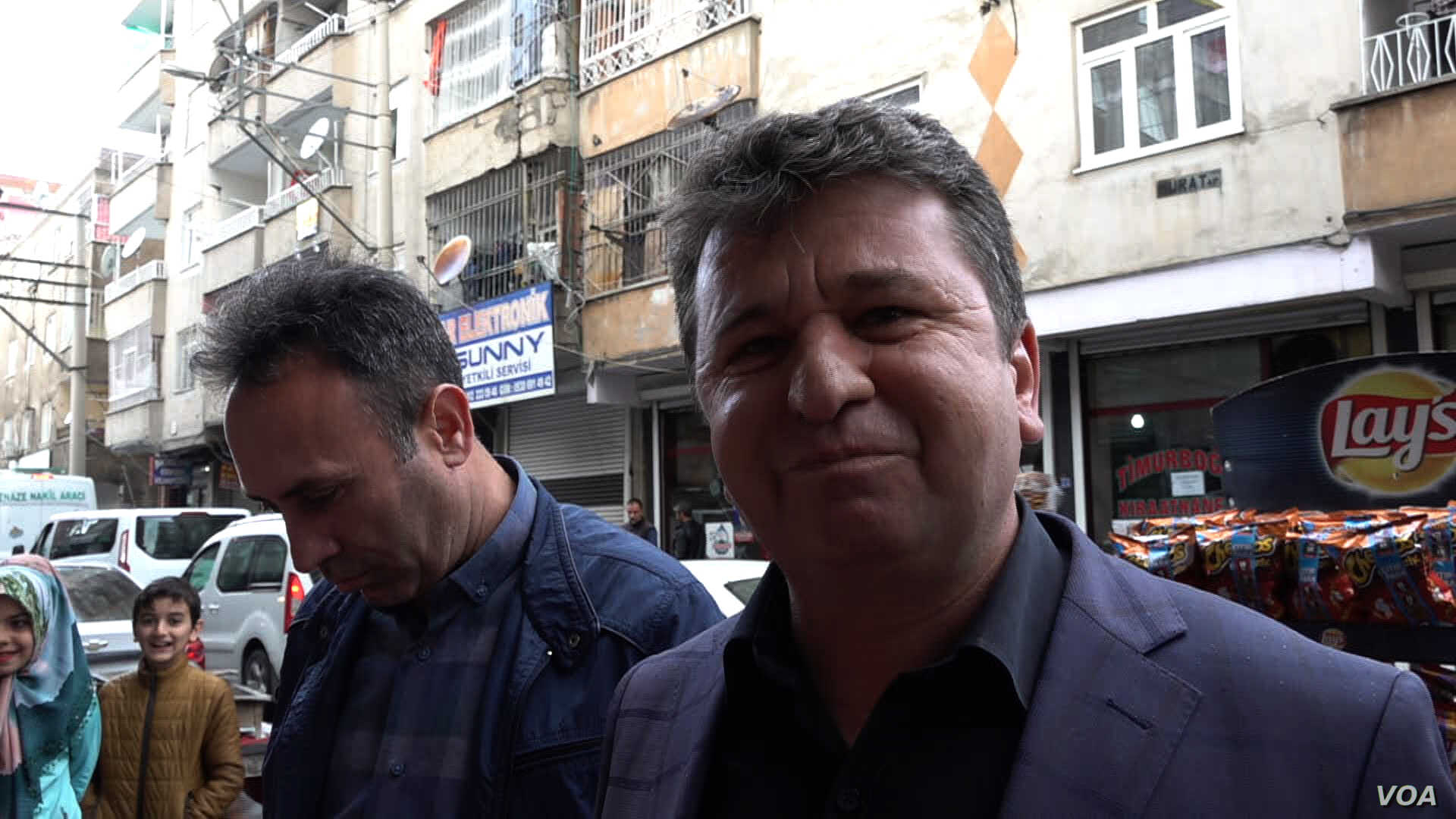 AKP activist Abdurrahim Dogan, campaigning in Baglar, says he believes the people are ready for change.