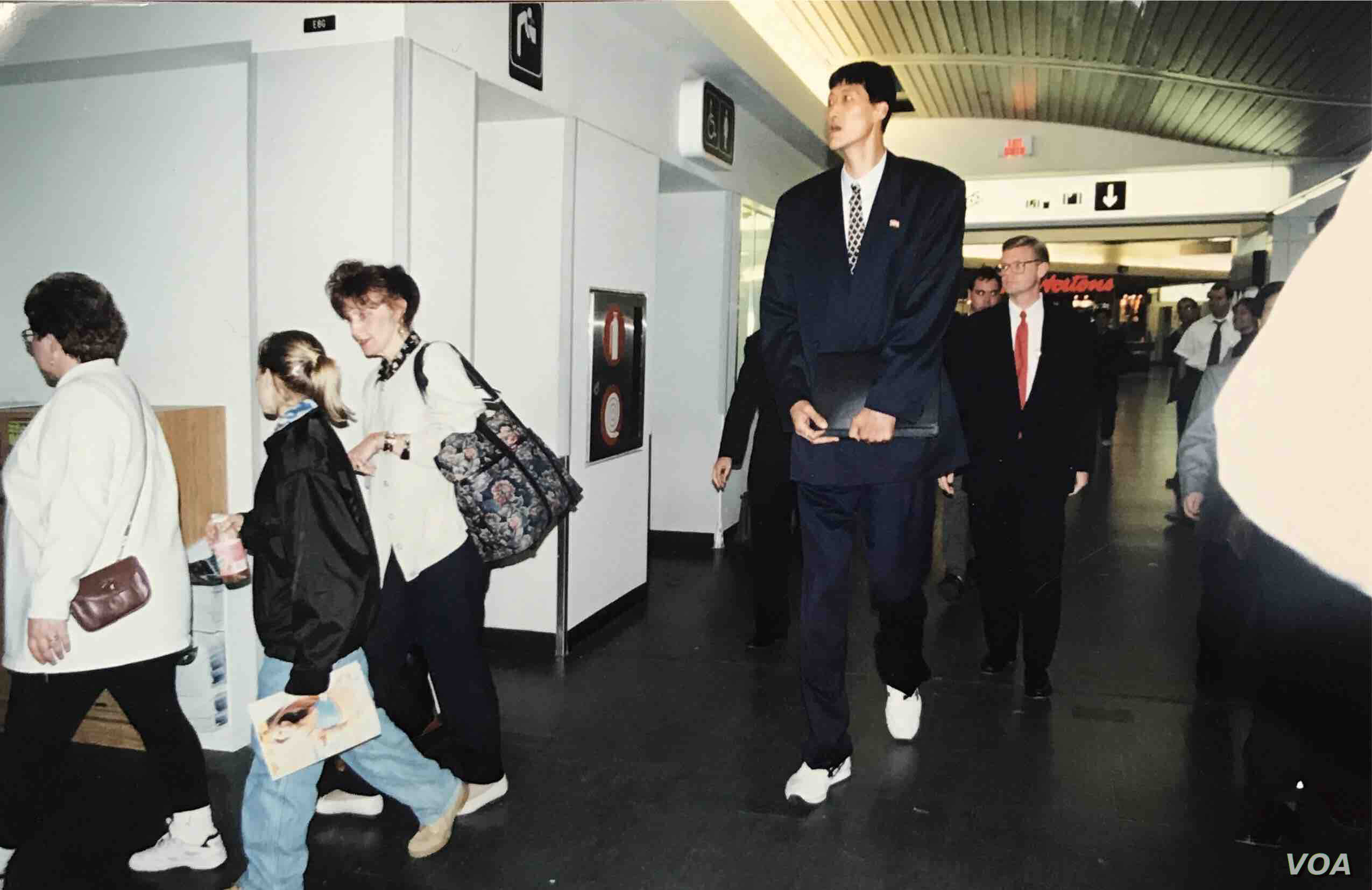 North Korean basketball player Ri Myoung-Hun arriving at Ottawa International Airport in May 1997.