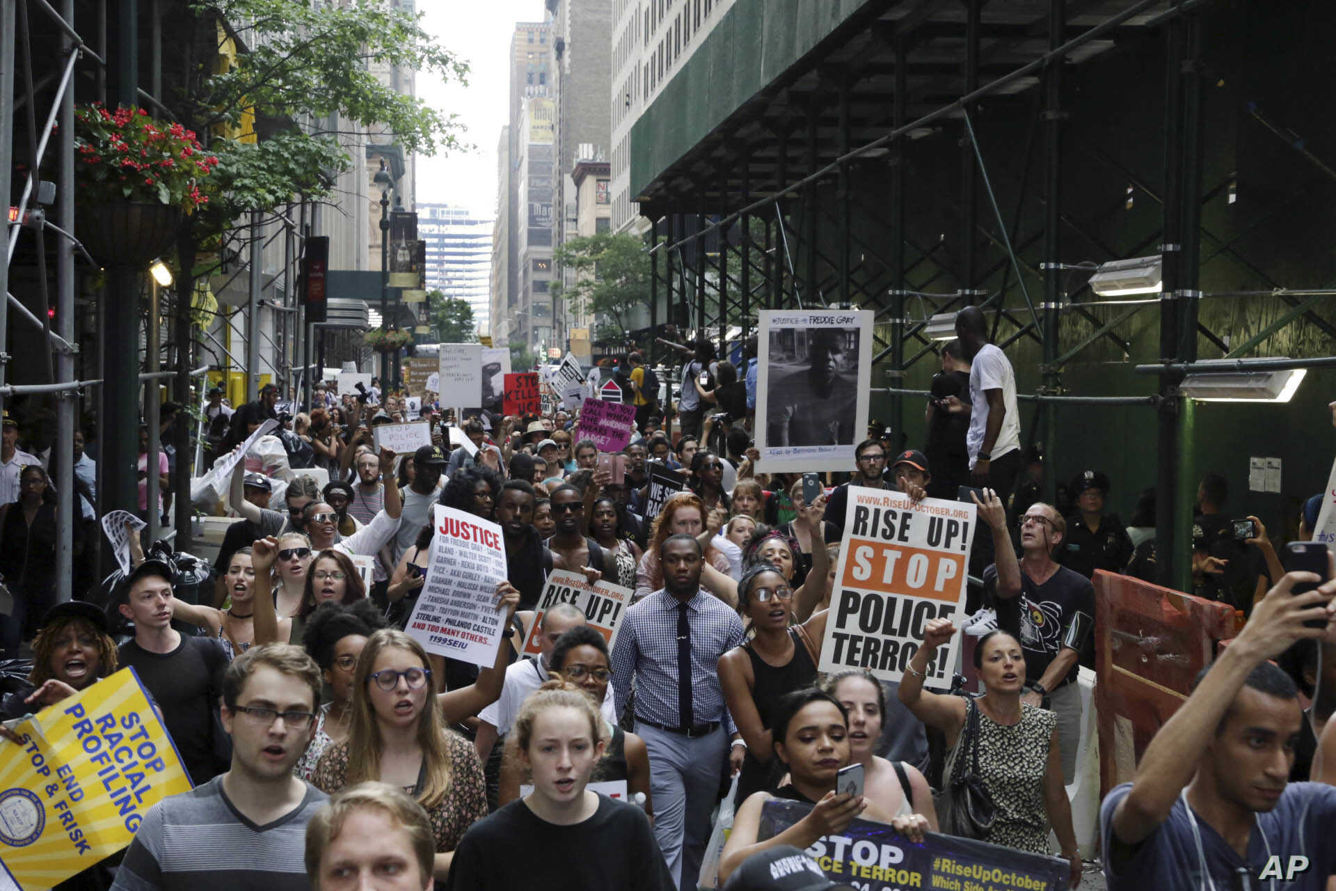 Protesters March Against Police-related Shootings in US | Voice of