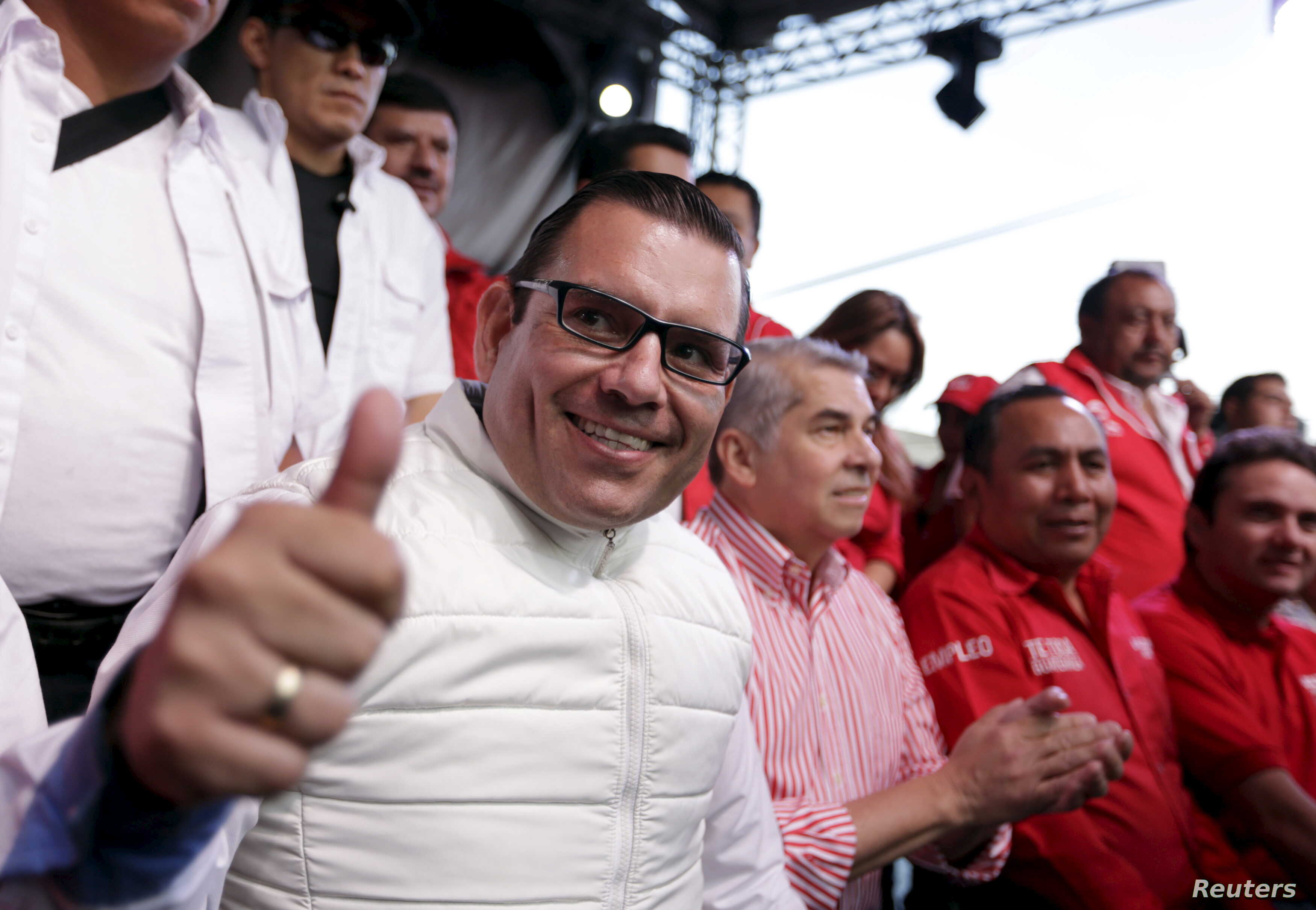 Guatemalan Democratic Liberty Party's (LIDER) presidential candidate Manuel Baldizon gestures during a political rally in Mixco, on the outskirts of Guatemala City, Aug. 30, 2015.
