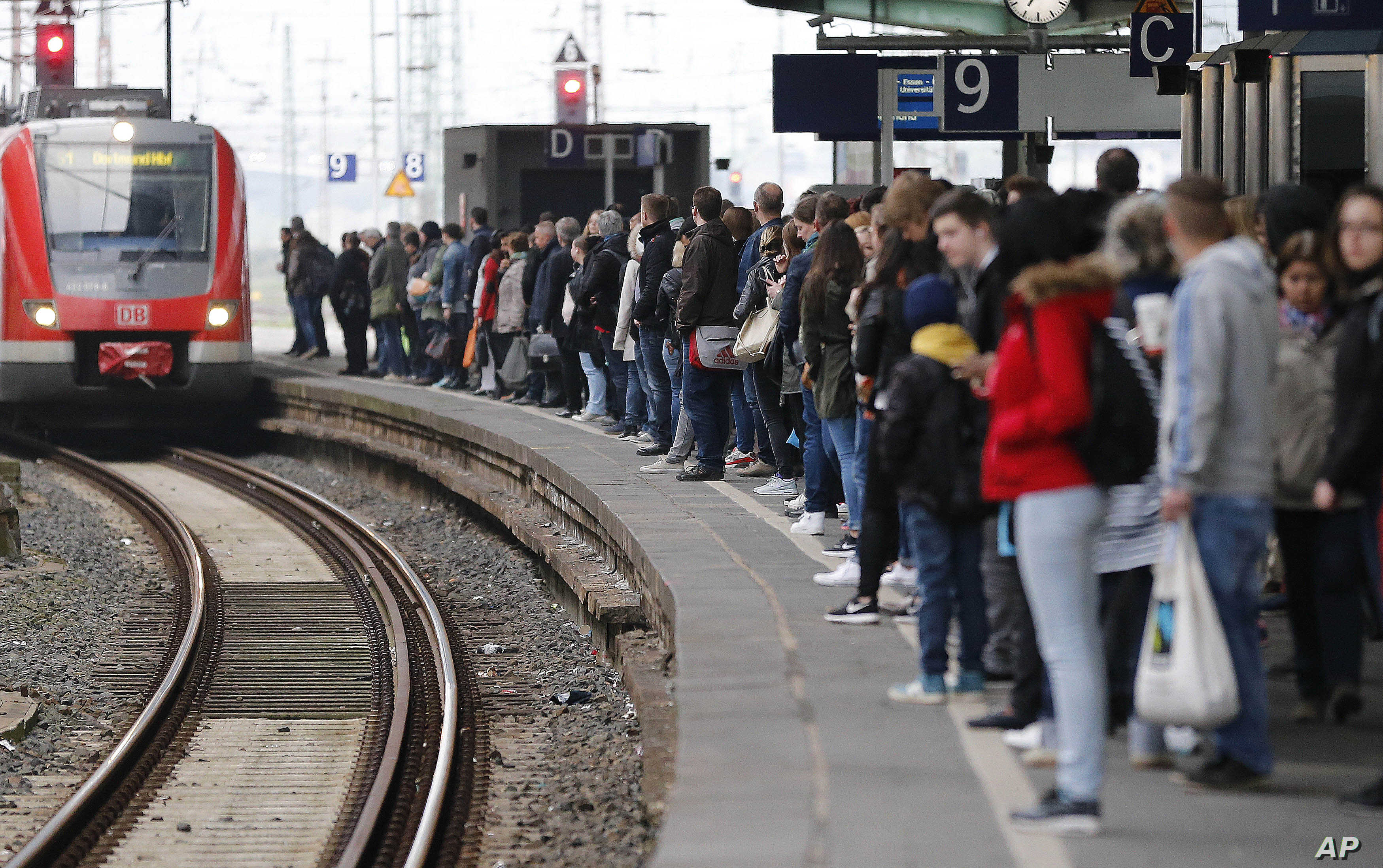 German Rail Strike Affects Passenger Trains | Voice of