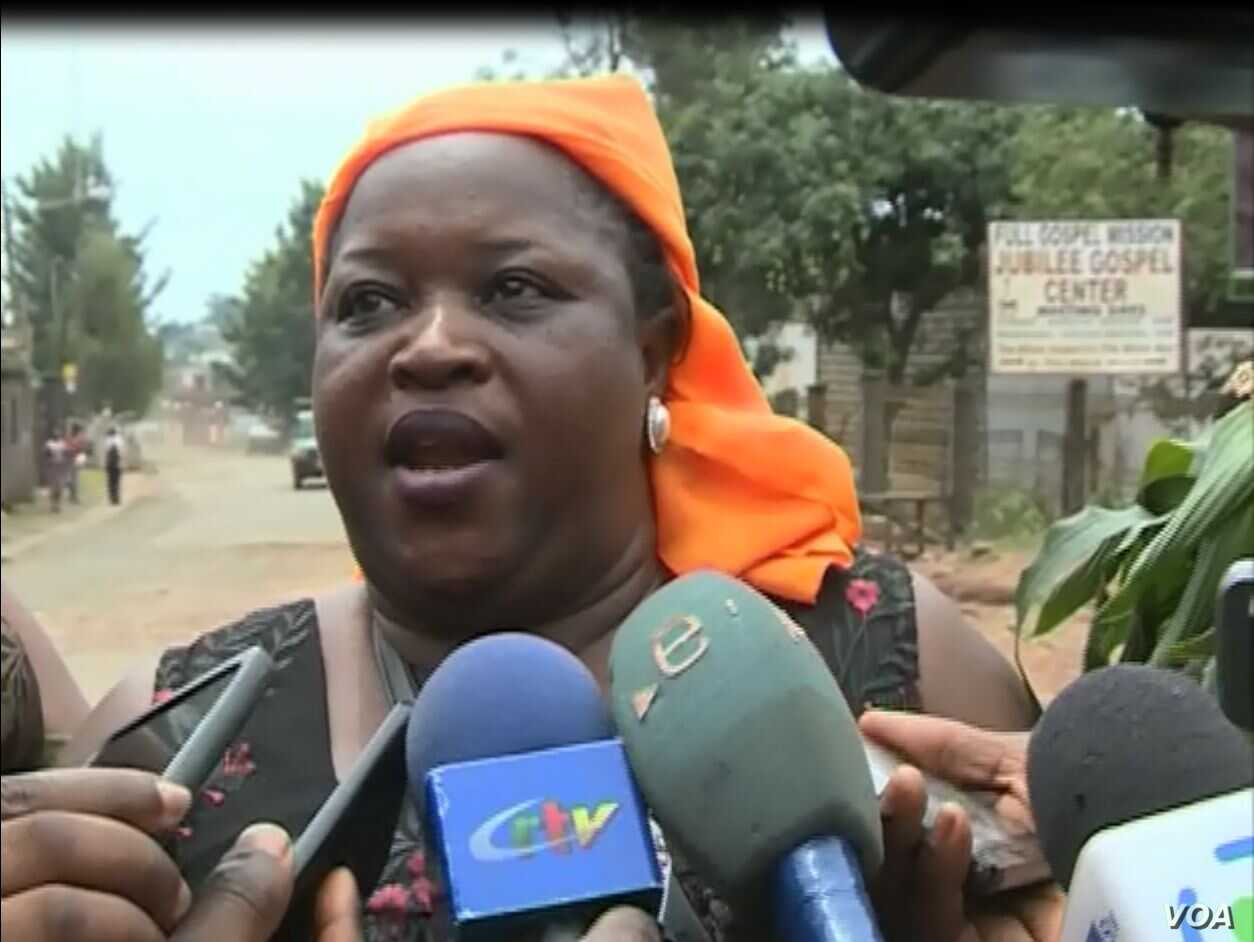 Clotilda Wah, spokesperson of the Northwest and Southwest Women's Task Force, speaks during a protest in Bamenda, Cameroon, May 9, 2019. (M. Kindzeka/VOA)