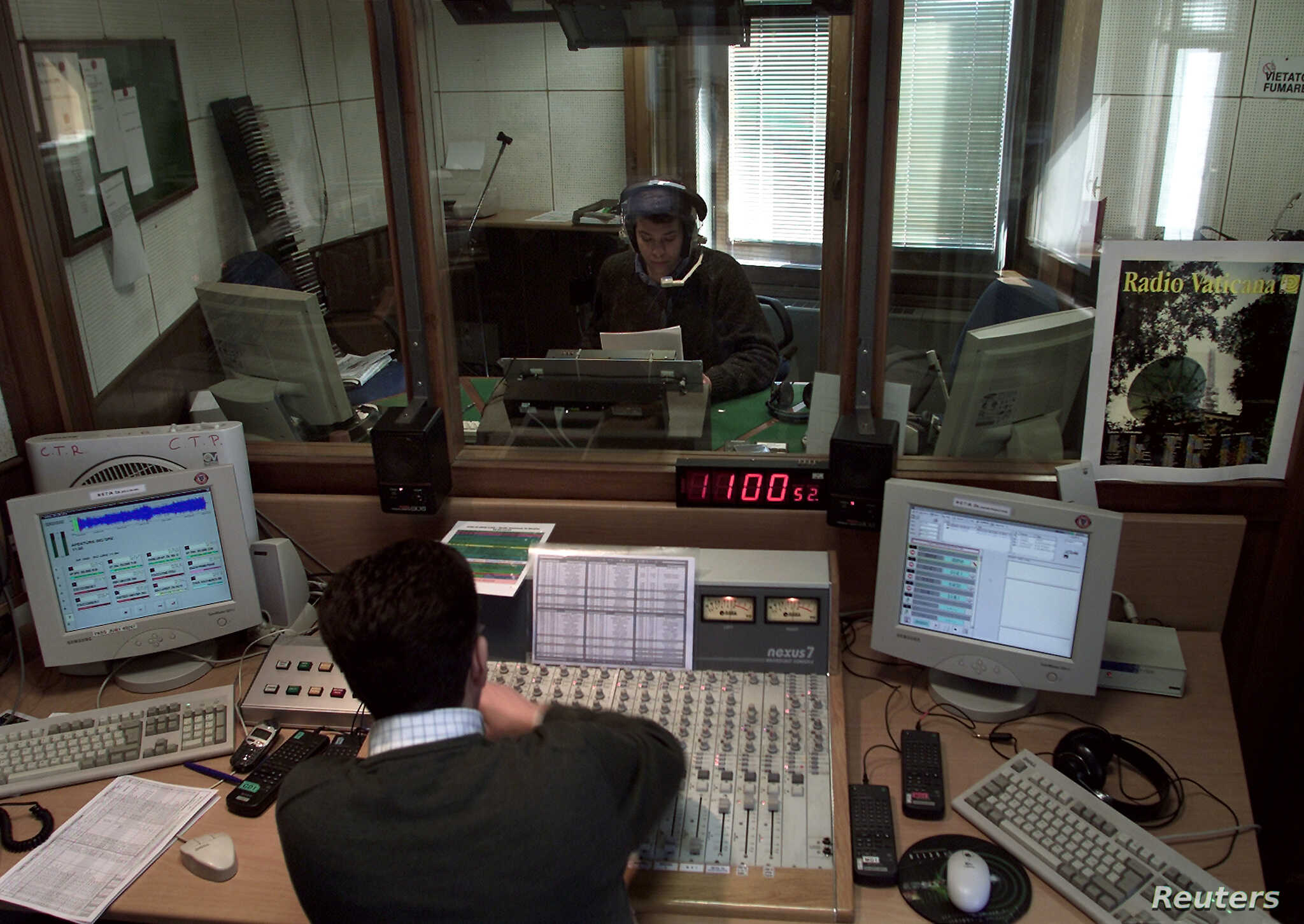 Latin Lovers Tune In: Vatican Broadcasts News in Language of