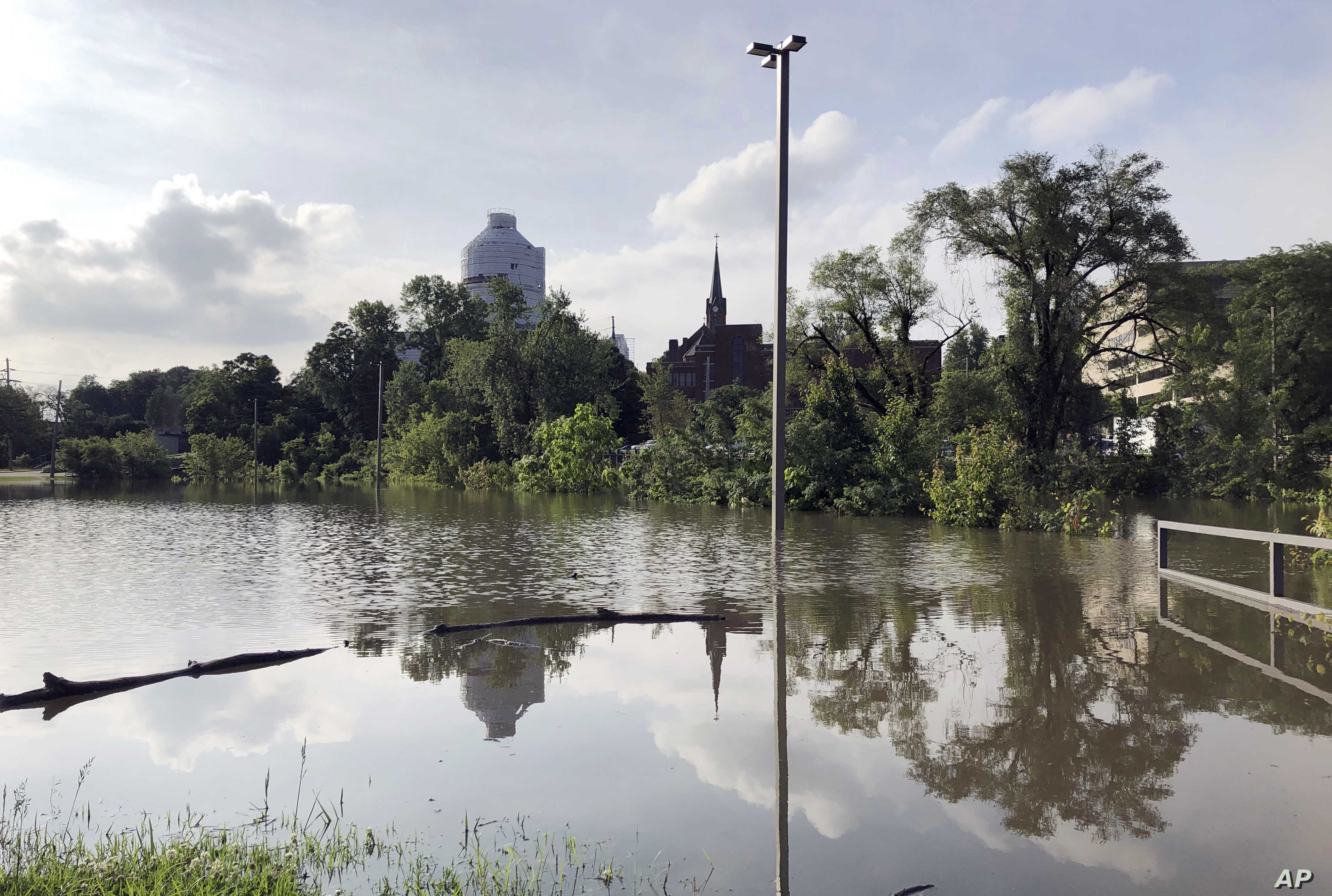 Nearly 400 Missouri Roads Closed by Flooding | Voice of