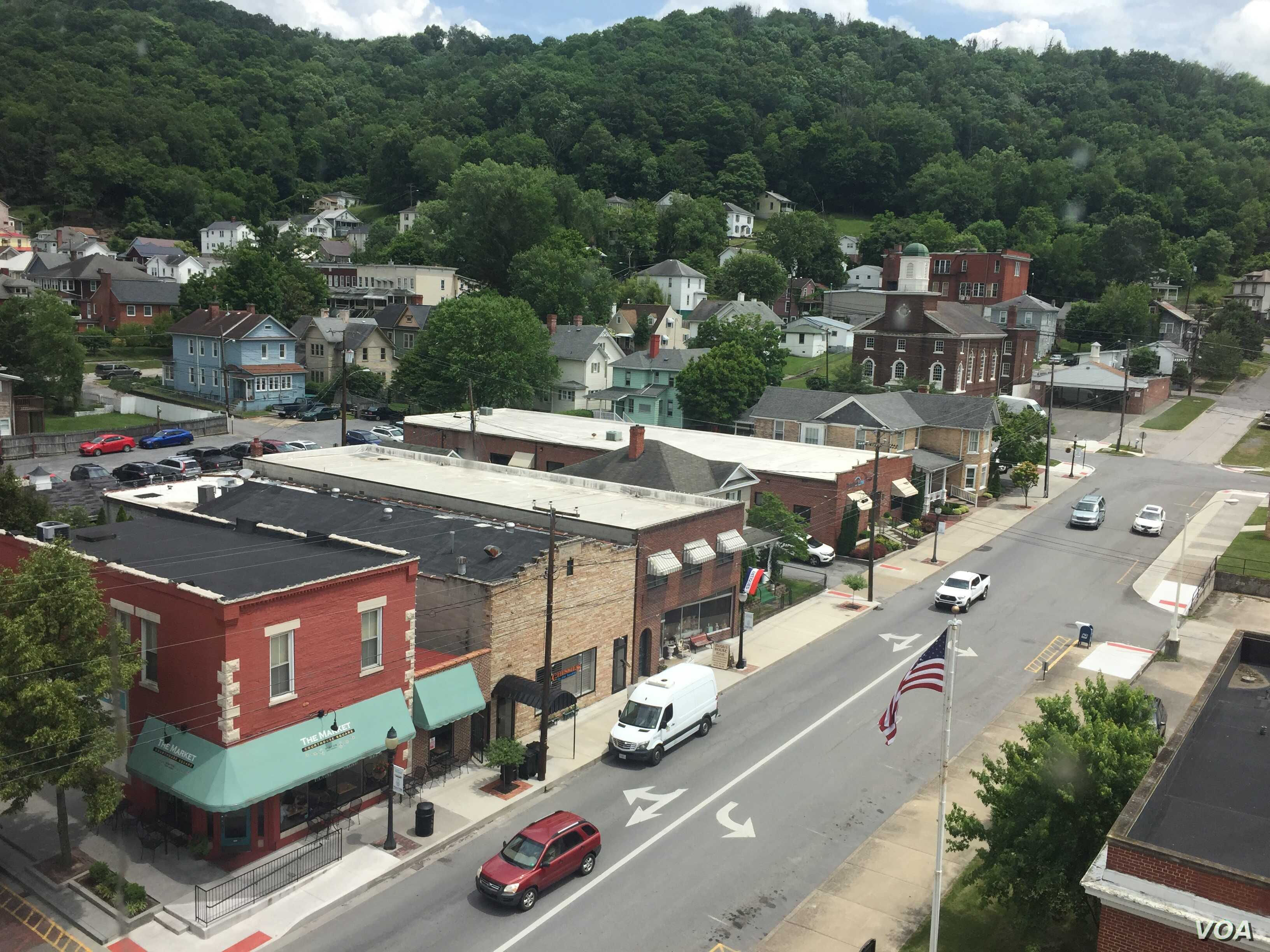 The town of Hinton, West Virginia has a number of flourishing businesses, thanks to high-speed internet connectivity.