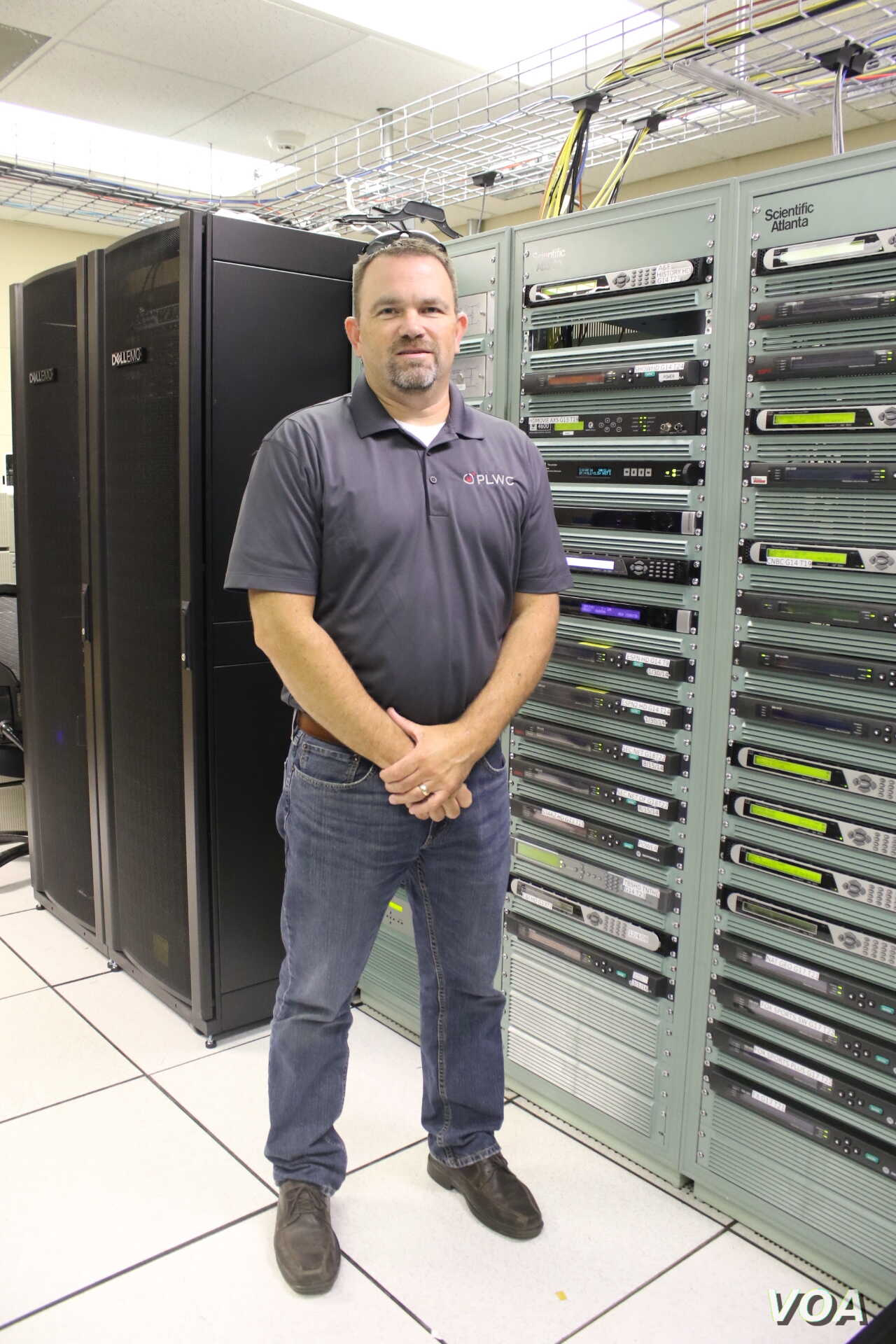 """Marcus Dowdy, Director of Broadband Services for the city of Paragould, said residents """"weren't happy"""" with services previously provided by a private telecommunications company. In the early 1990s, the city sought to change that. (T.Krug/VOA)"""