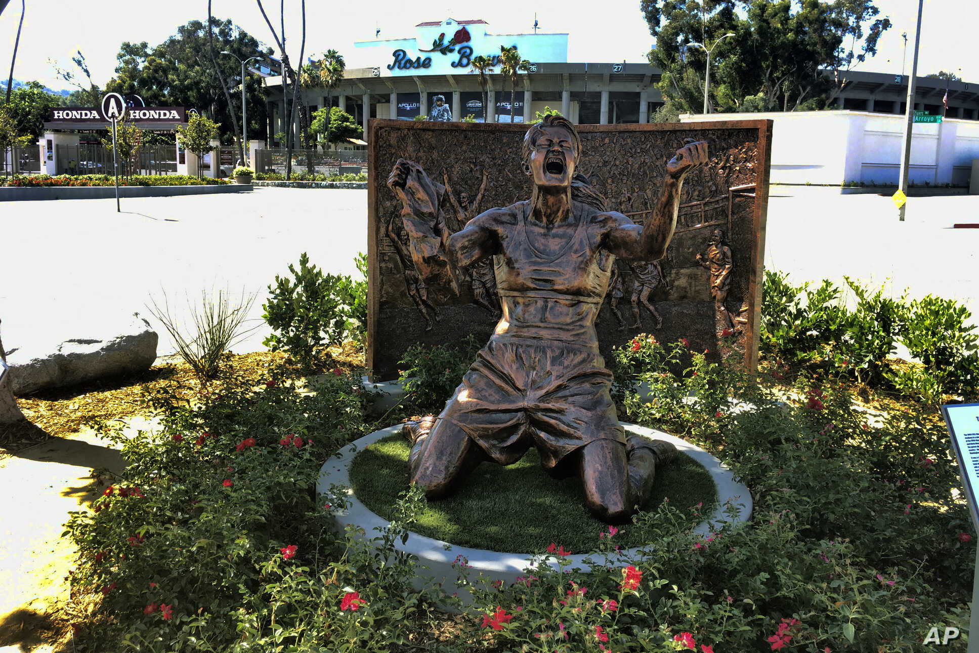 California Statue Honors Brandi Chastain's '99 World Cup Win | Voice