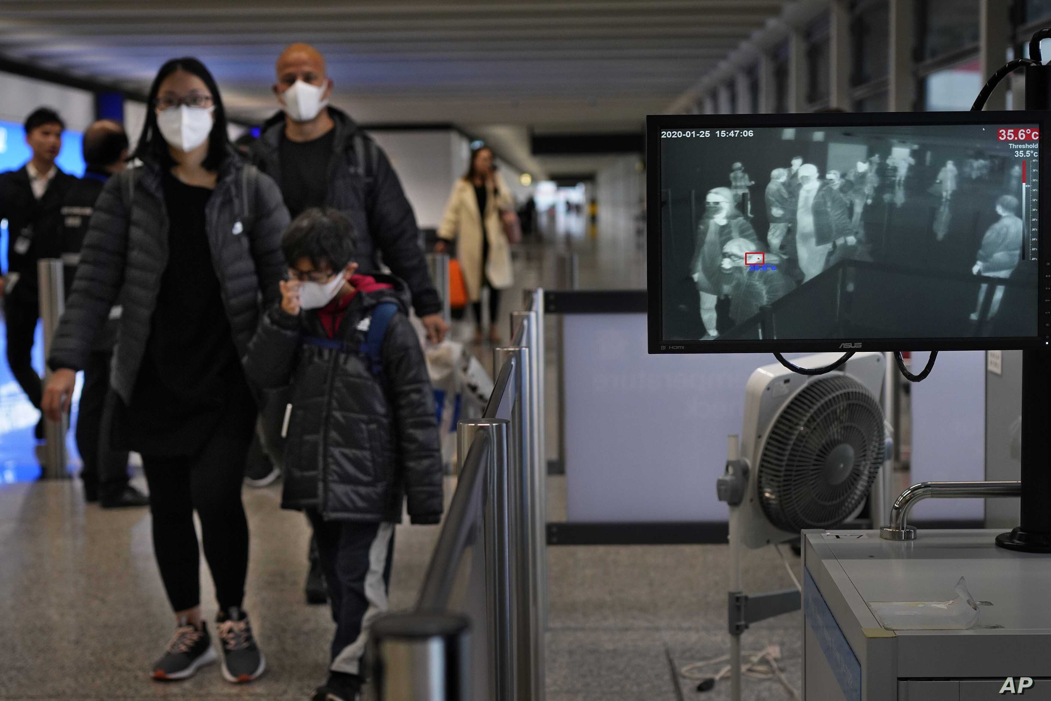 China orders nationwide measures to detect virus on flights, trains, buses