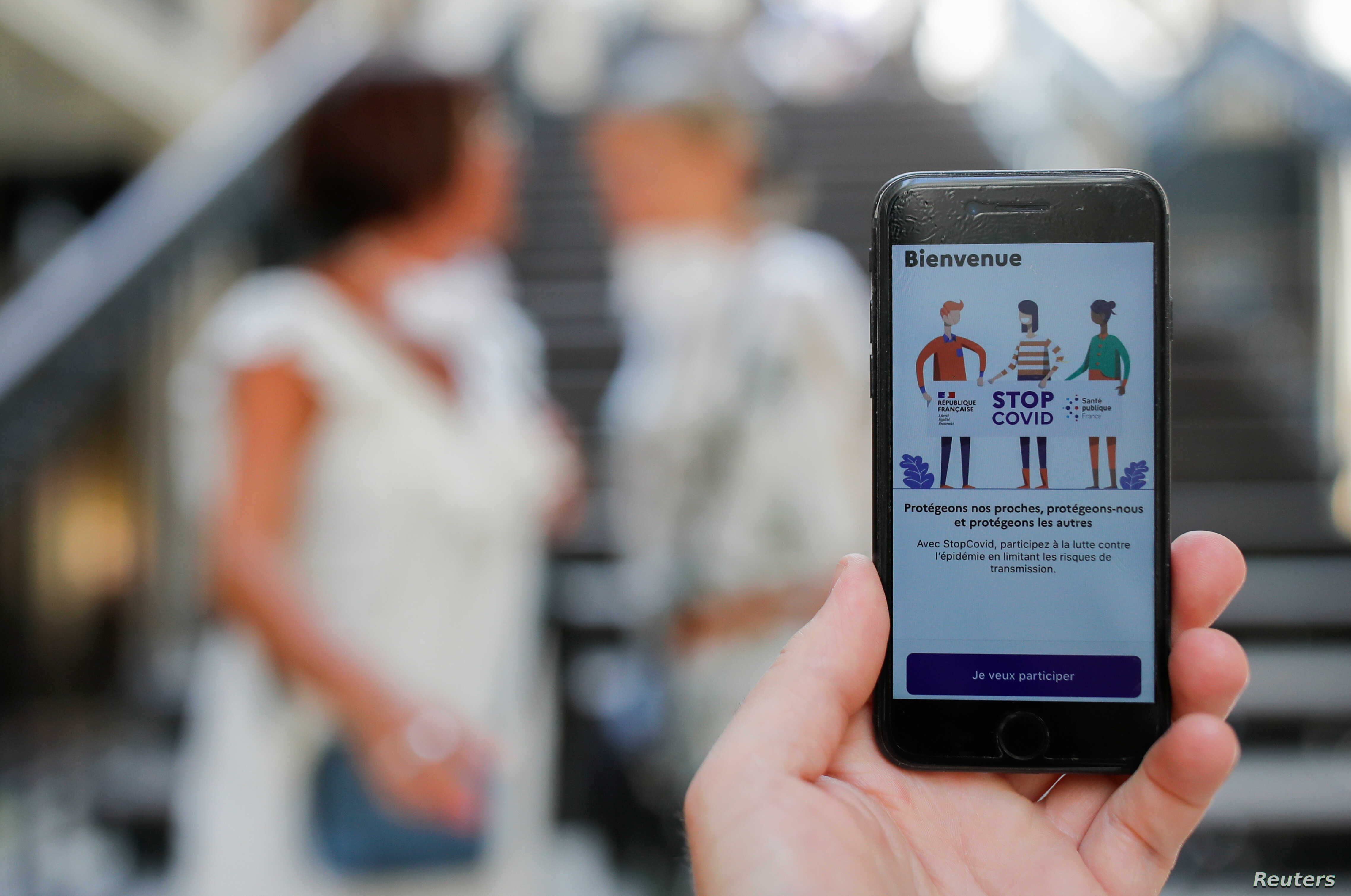 France Releases Contact-Tracing StopCovid App | Voice of America ...