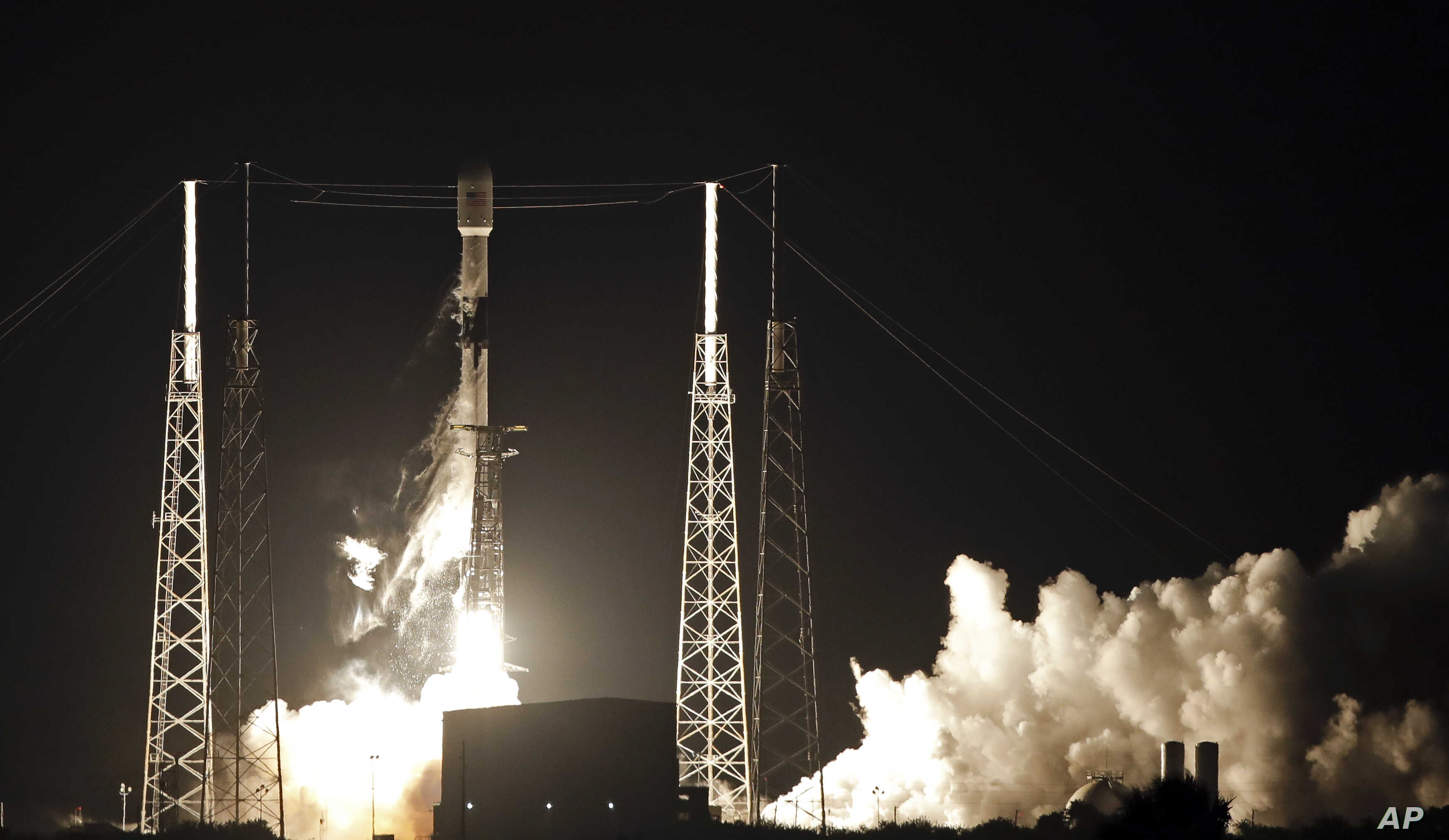 SpaceX Launches 60 Satellites to Space