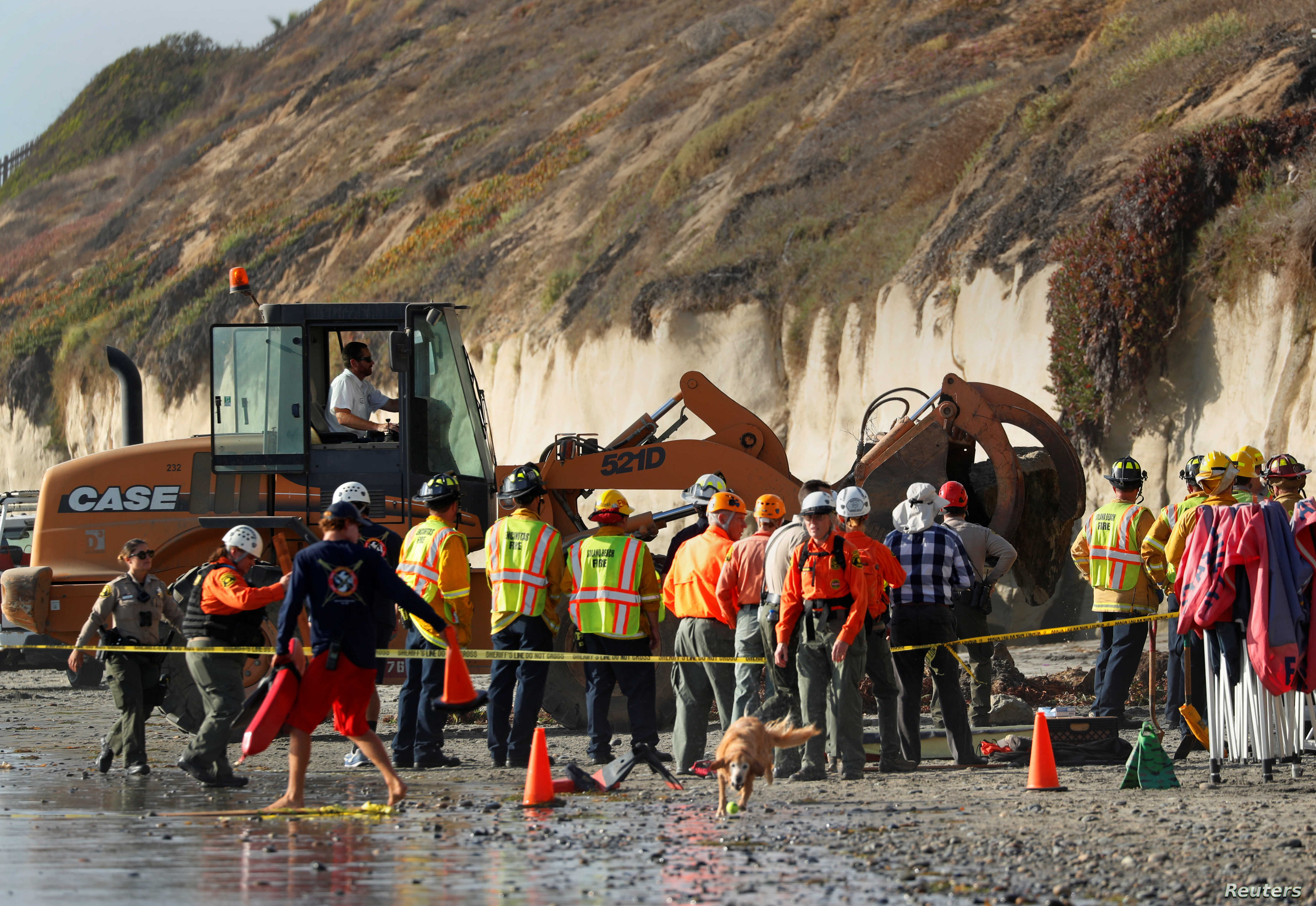 Victims in California Sea Cliff Collapse Had Gathered for