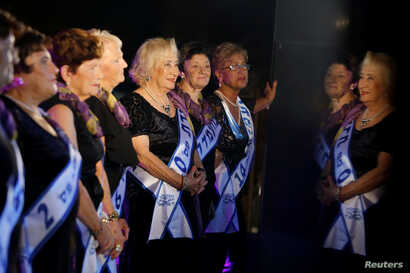 REUTERS - HOLOCAUST SURVIVORS BEAUTY PAGEANT IN HAIFA ISRAEL