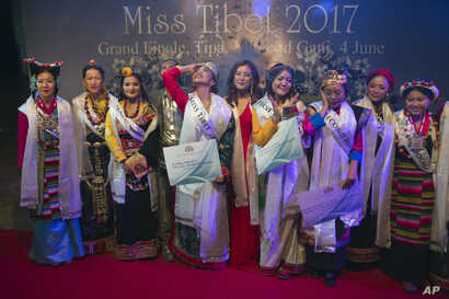 Contestants are seen at the 2017 Miss Tibet beauty pageant at the Tibetan Institute of Performing Arts in Dharmsala, India, June 4, 2017.