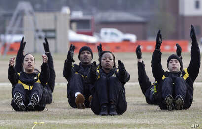 U.S. Army troops in training to become instructors participate in the new Army combat fitness test at the 108th Air Defense Artillery Brigade compound at Fort Bragg, N.C., Jan. 8, 2019.