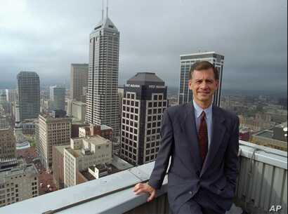 "FILE - Indianapolis Mayor Stephen Goldsmith in Indianapolis, Nov. 2, 1995. Goldsmith, now with Harvard Kennedy School's Ash Center for Democratic Governance and Innovation, said the ""challenges are dramatic"" for Kushner's new office of innovation."