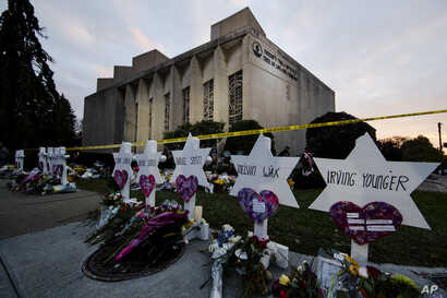 A makeshift memorial stands outside the Tree of Life Synagogue in the aftermath of a deadly shooting at the in Pittsburgh, Oct. 29, 2018.