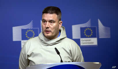 FILE - Greenland's Prime Minister Kim Kielsen speaks during a media conference at EU headquarters in Brussels, March. 19, 2015.