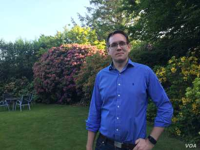 Richard Pears, owner of a software solutions provider in southwest England's Cornwall region, says his company operates in Britain and in Germany but fears that could change in the absence of a common market. (L. Ramirez/VOA)