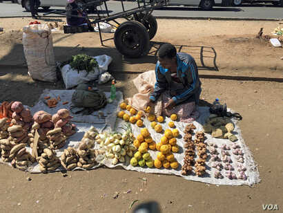 High unemployment rate – estimated to be above 85 percent has forced most Zimbabweans to rely on vending Harare, Sept. 10, 2018.