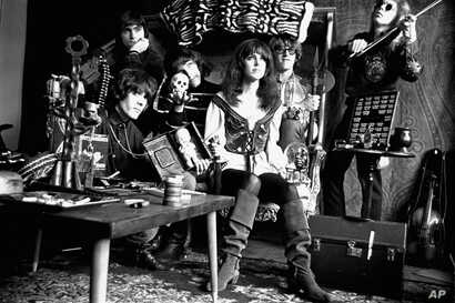 The Jefferson Airplane, pose for a portrait in San Francisco, August 3, 1968. From left:  Spencer Dryden, drummer; Marty Balin, rear, vocalist; Jorma Kaukonen, lead guitar; Grace Slick, vocalist; Paul Kantner, electric guitar; and Jack Casady, bass g...