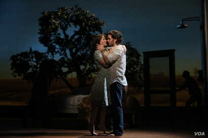 """Kelli O'Hara and Steven Pasquale in """"The Bridges of Madison County"""" on Broadway. (Photo by Joan Marcus)"""