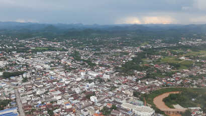 The bird eye view of Loei provincial city, Thailand on July 23, 2016. Thai government is planning to build what so-called biggest water diversion project in the province to get water from Mekong River. (Neou Vannarin/VOA Khmer)