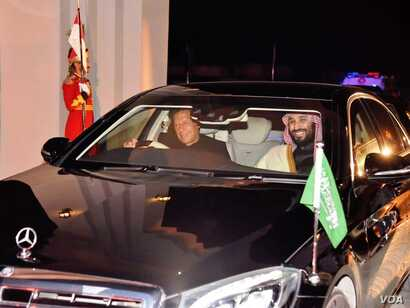 Pakistan's Prime Minister Imran Khan personally received Saudi Crown Prince Mohammed bin Salman and drove him to his office after the Saudi leader landed in Islamabad on his first state visit, Feb. 17, 2019 (courtesy Khan's office)