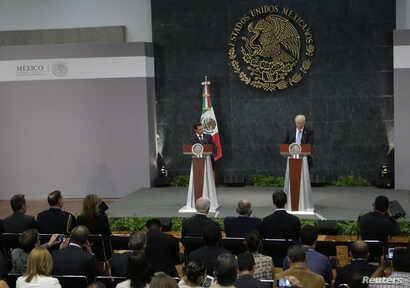 U.S. Republican presidential nominee Donald Trump and Mexico's President Enrique Pena Nieto give a press conference at the Los Pinos residence in Mexico City, Mexico, Aug. 31, 2016.