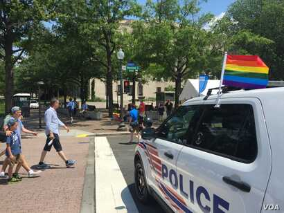 Extra police were on hand for the final day of the Capital Pride festival in Washington, June 12, 2016. (V. Macchi/VOA)