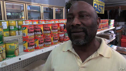 Stephen Joe, an African food store owner in Dallas, Texas, Oct. 1, 2014. (VOA \ G. Flakus)