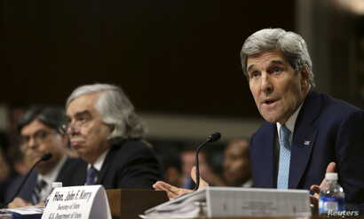 U.S. Secretary of State John Kerry, right, Energy Secretary Ernest Moniz, center, and Treasury Secretary Jack Lew testify before a Senate Foreign Relations Committee hearing,  in Washington, July 23, 2015.