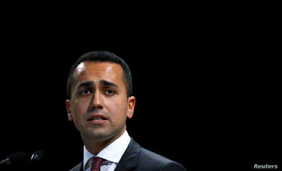 FILE - Italian Minister of Labor and Industry Luigi Di Maio speaks at the Italian Business Association Confcommercio meeting in Rome, June 7, 2018. REUTERS/Tony Gentile/File Photo - RC1E3F33E750