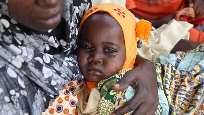 Widespread malnutrition affects thousands of children in northeastern Nigeria, where Boko Haram violence has disrupted farming and trade, in Maiduguri, Nigeria, October 2016. (C. Oduah/VOA)